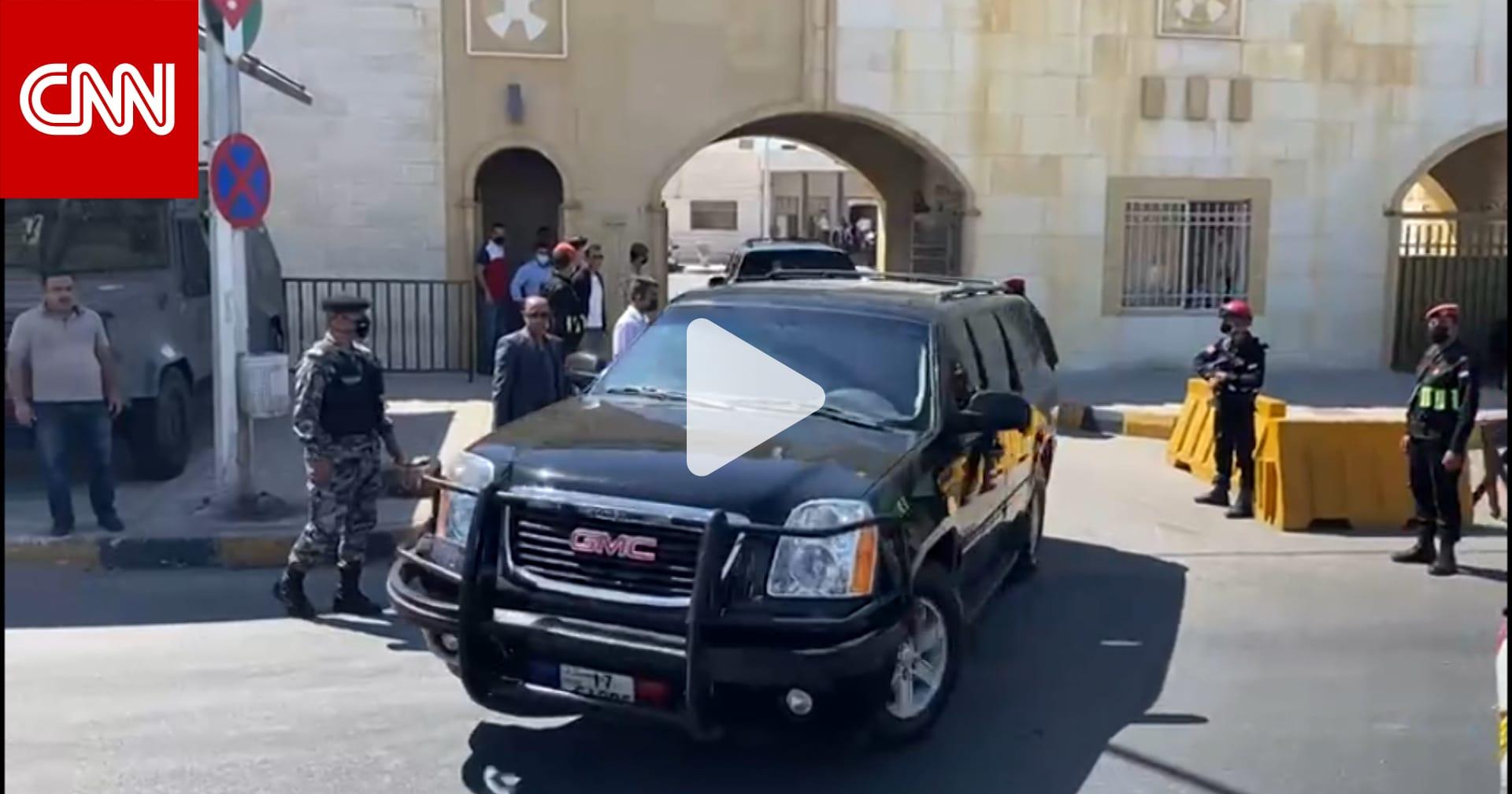 مشاهد من خارج المحاكم العسكرية بأول أيام محاكمة باسم عوض الله