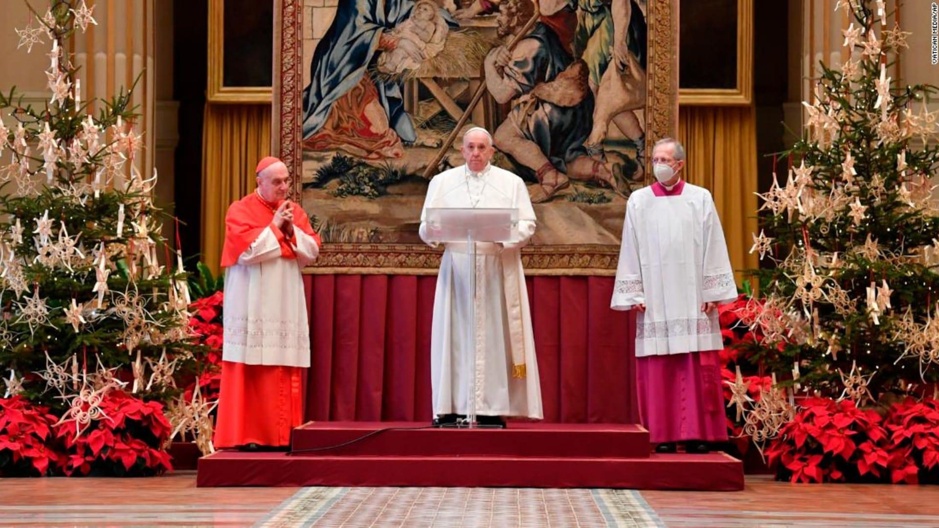 البابا فرنسيس يتلقى الجرعة الأولى من اللقاح ضد فيروس كورونا