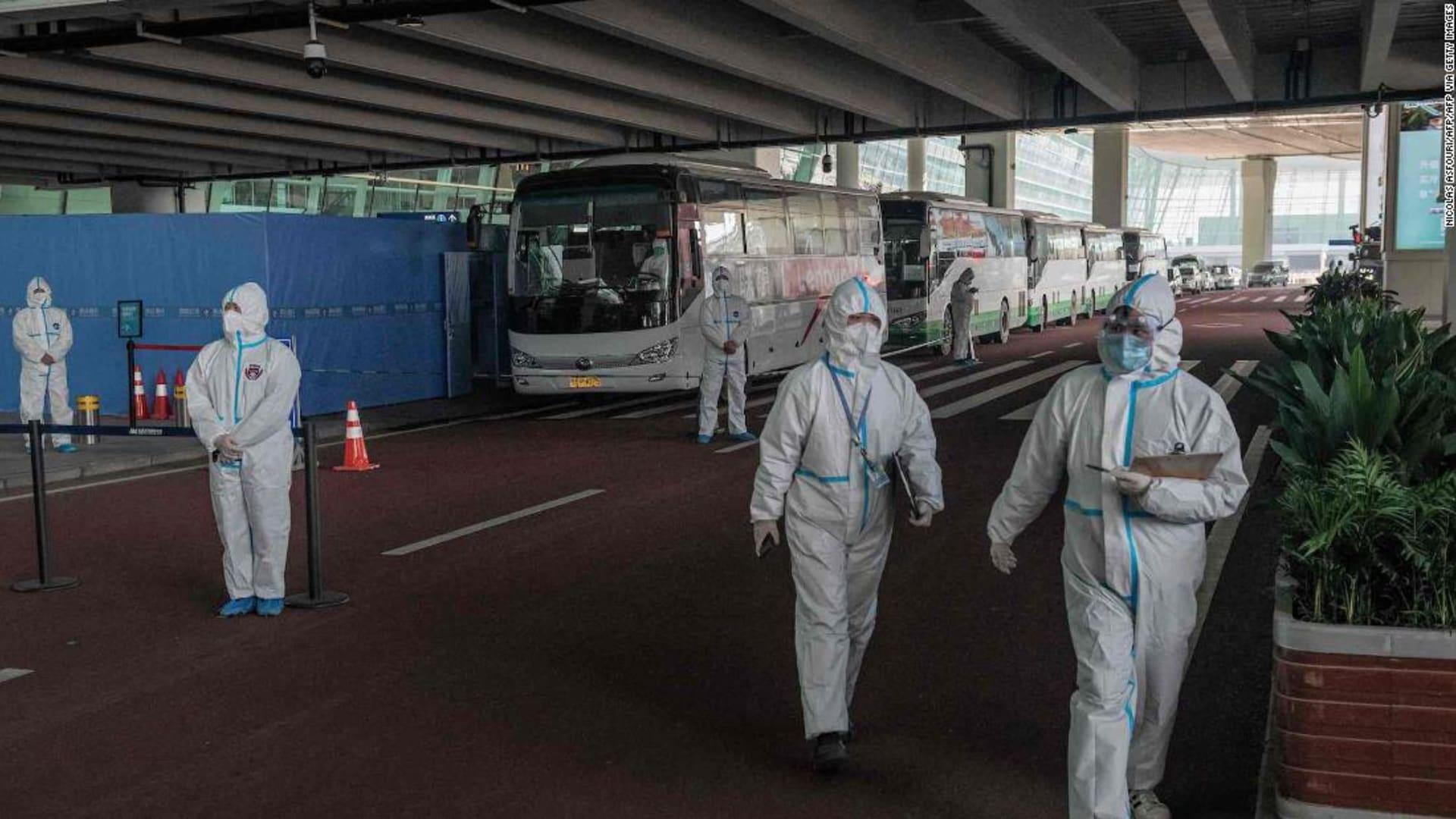 الصين تمنع اثنين من فريق منظمة الصحة من دخول البلاد بسبب إصابتهما بكورونا