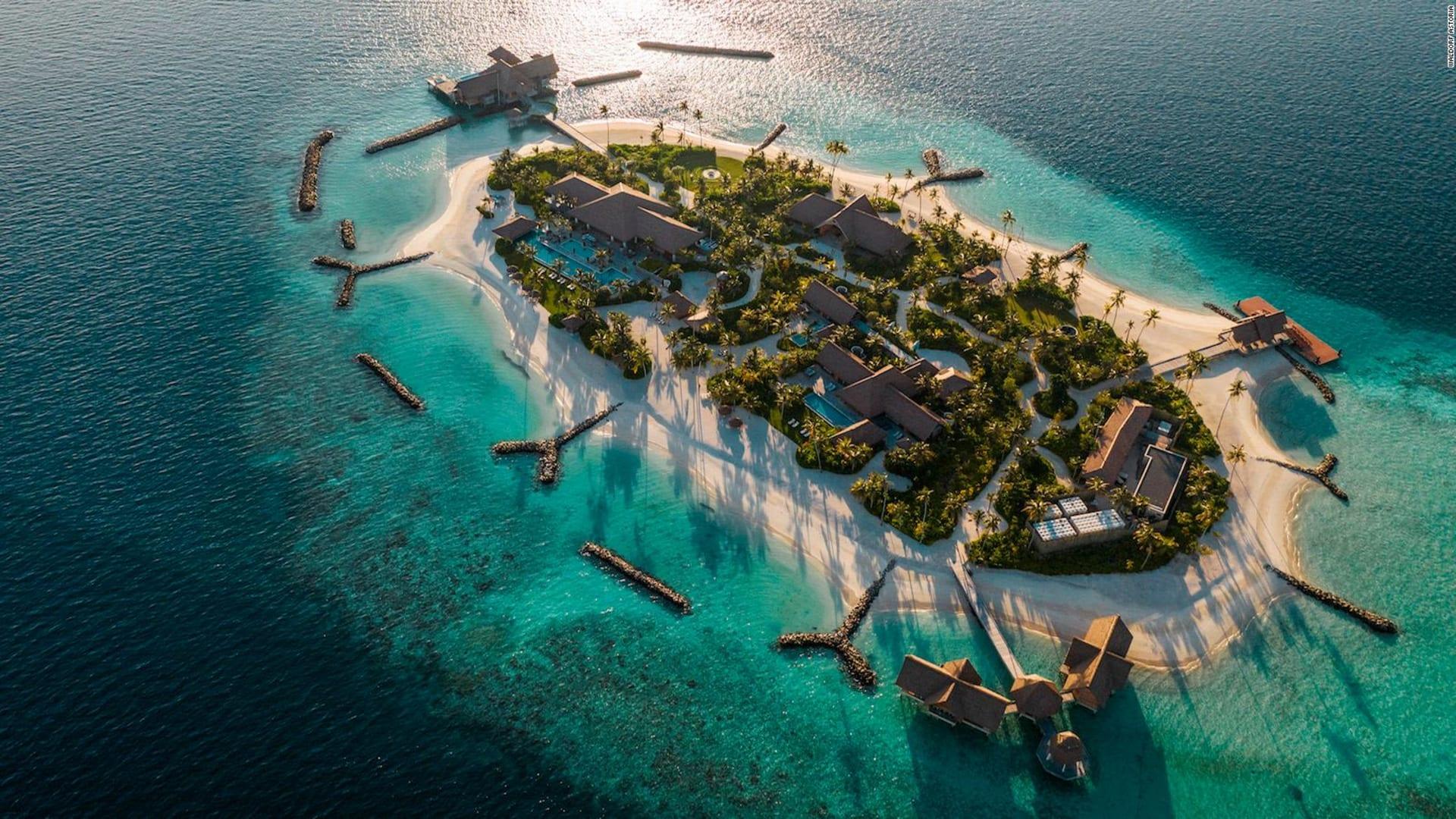 مثالية للعزلة وسط كورونا..عش تجربة فاخرة داخل أكبر الجزر الخاصة في المالديف