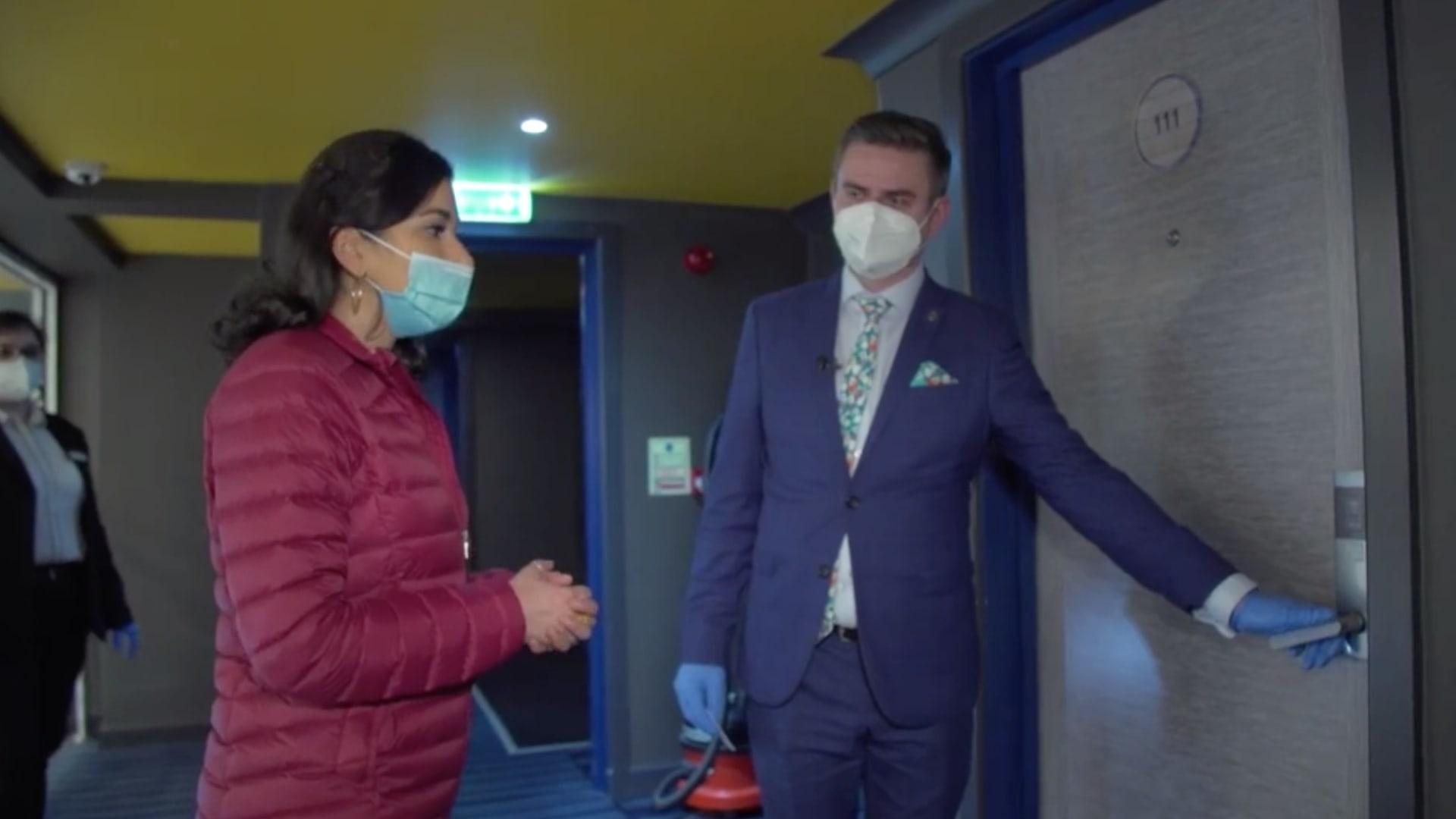 شاهد.. فندق في إنجلترا يساعد مرضى كورونا على التعافي بعد الخروج من المستشفى