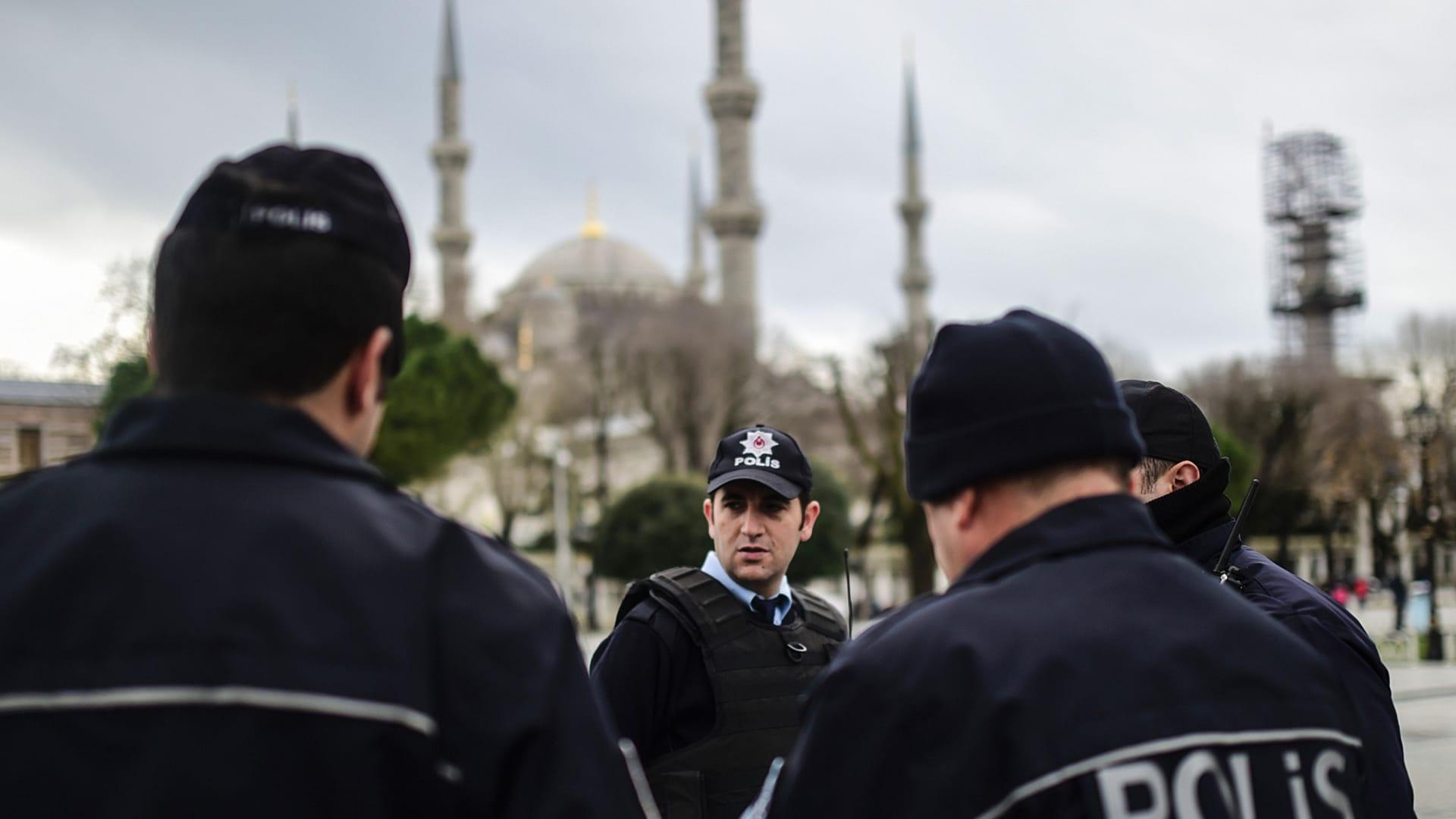 شاهد.. اللحظات الأولى بعد انفجار هز اسطنبول