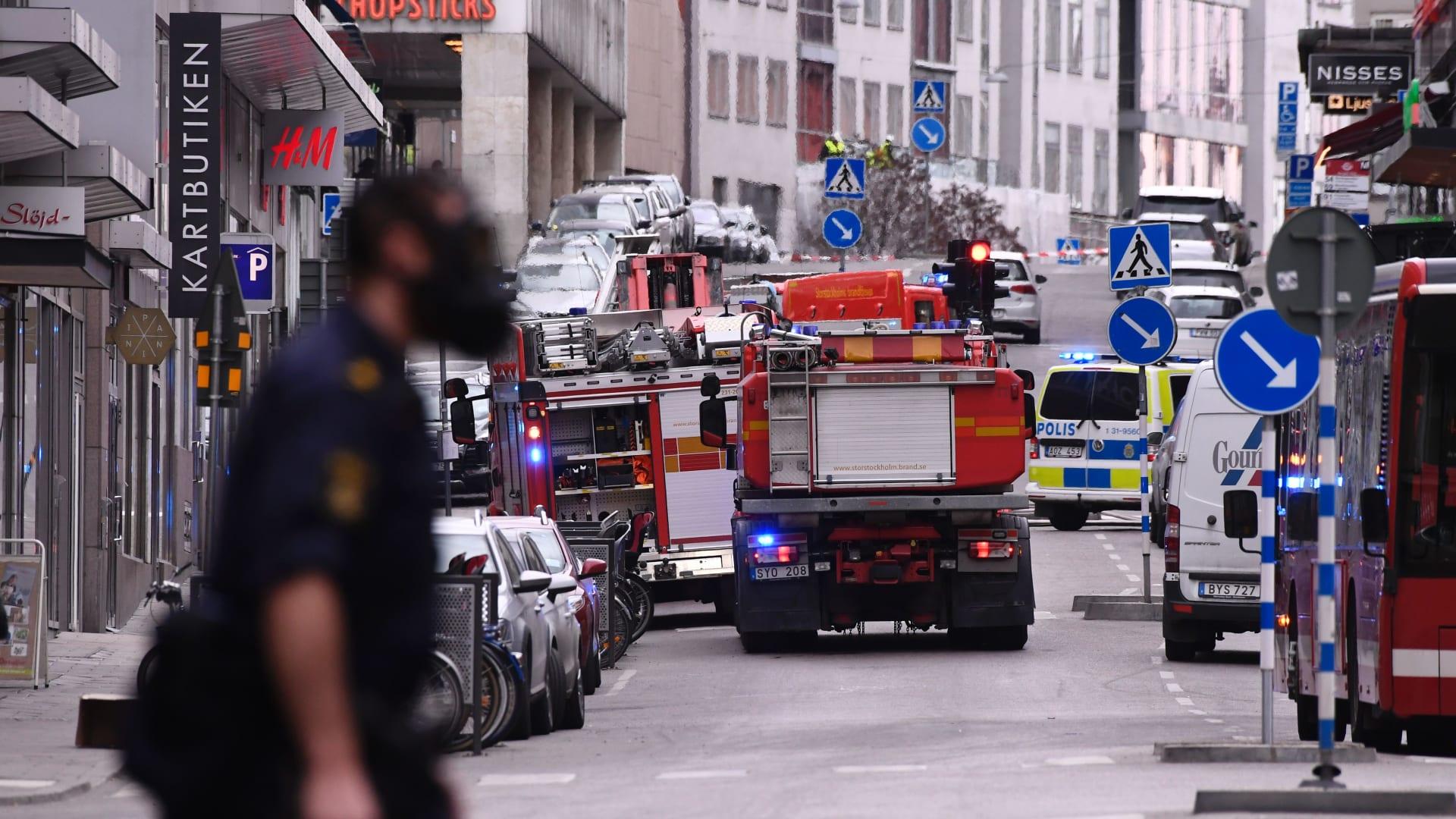 شاهد.. لحظات الذعر بعد هجوم الدهس في ستوكهولم