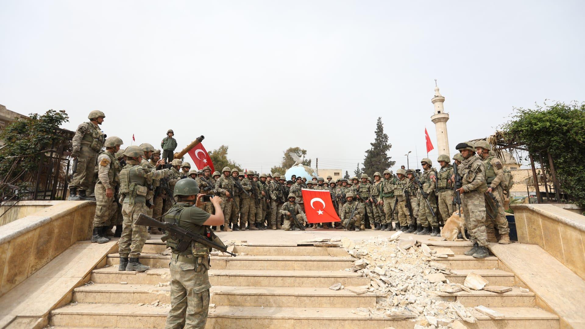 قوات تركيا تدخل عفرين.. والمآسي ما زالت مستمرة