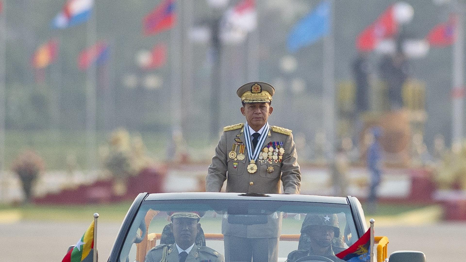 البابا فرانسيس في ميانمار وسط تصاعد أزمة الروهينغا