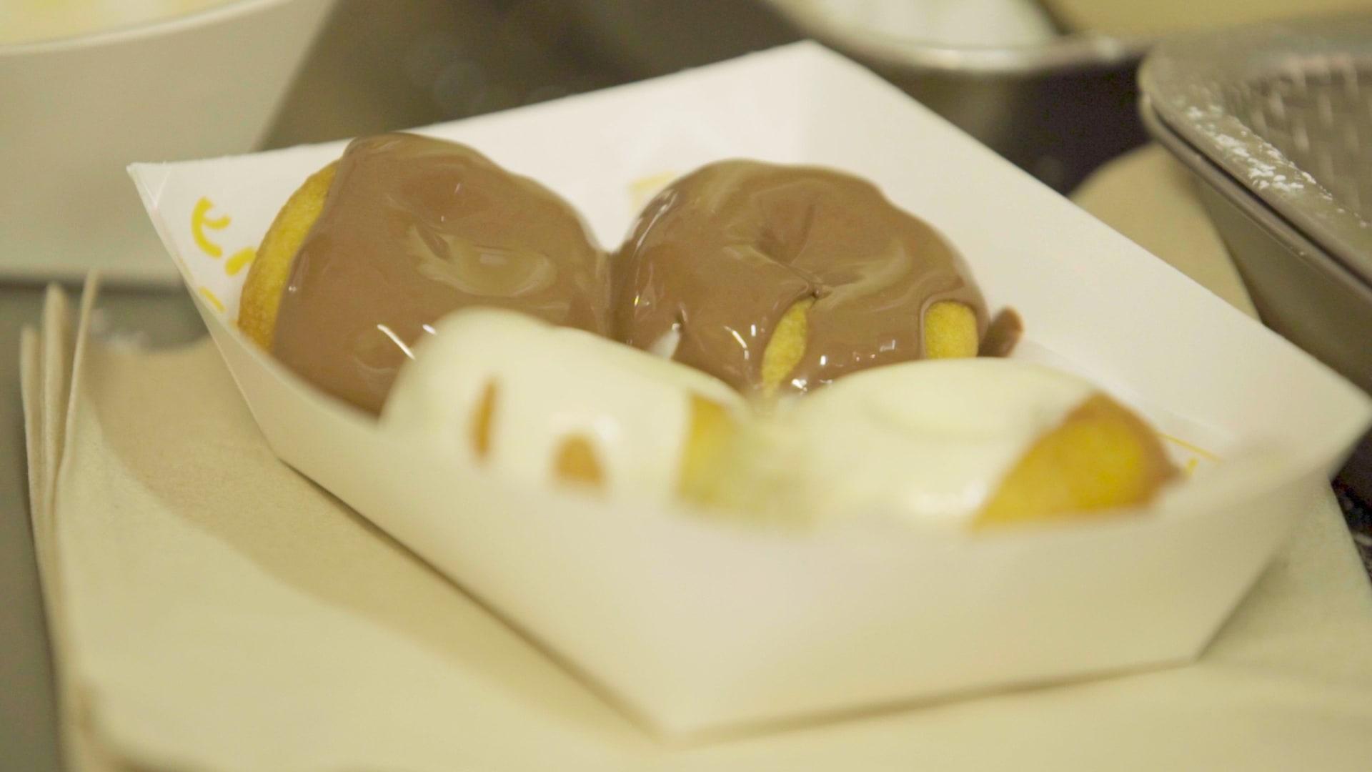 دونات بنكهات اللبنة والزعتر في دبي.. طابع عربي على حلويات غربية