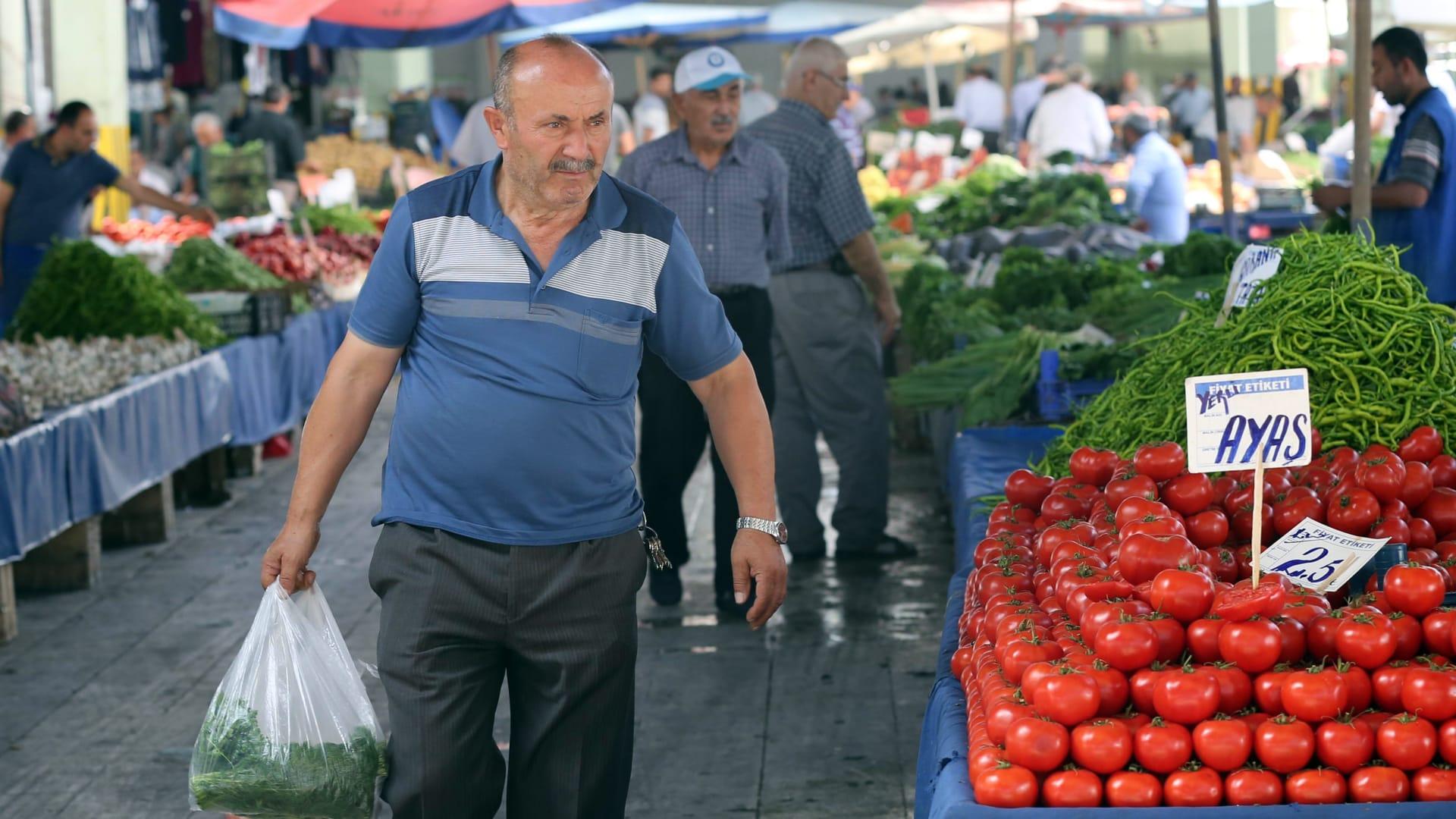 الخناق يضيق على الاقتصاد التركي