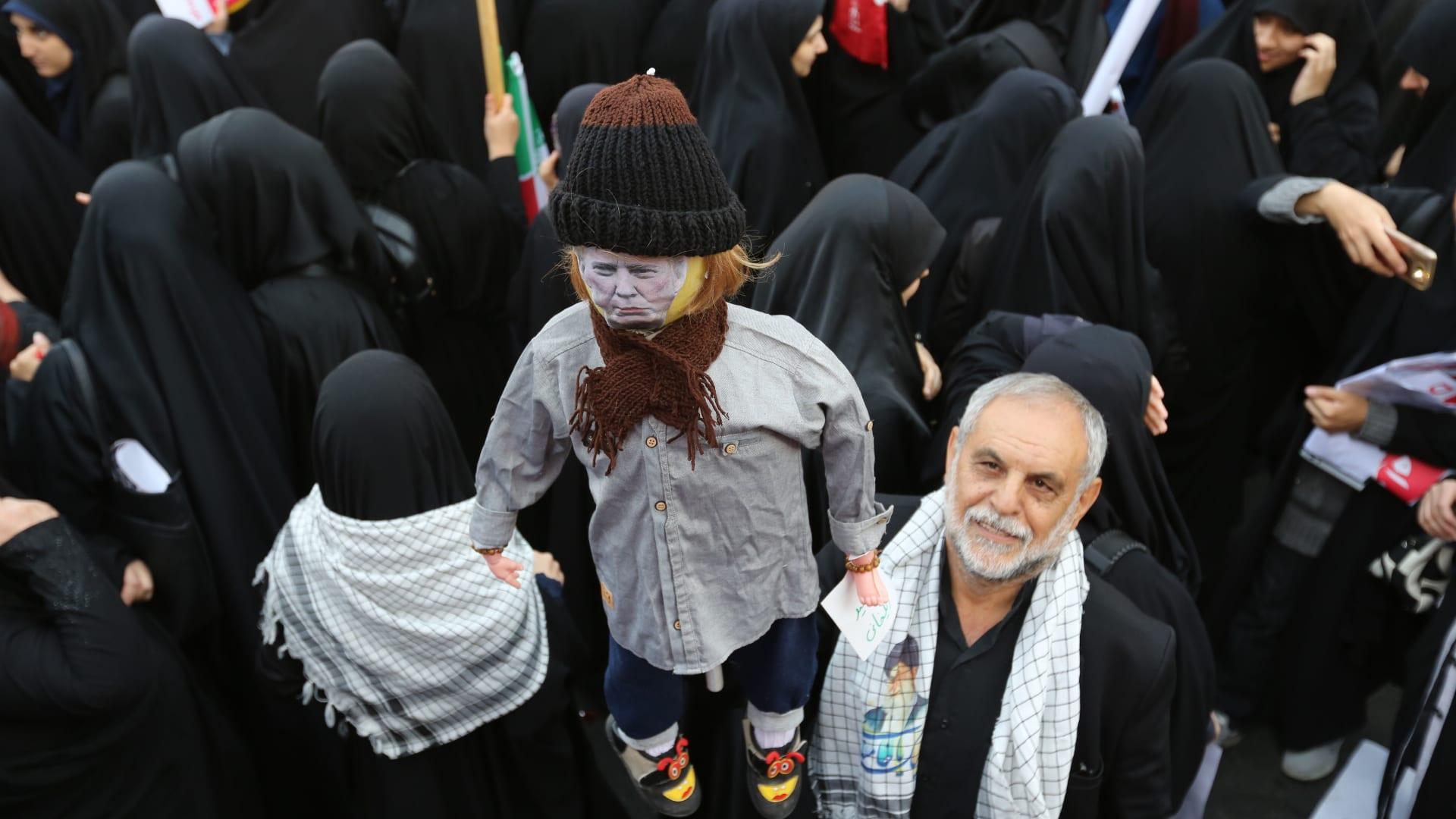هل ينجح ترامب بوقف صادرات النفط الإيرانية كليا؟