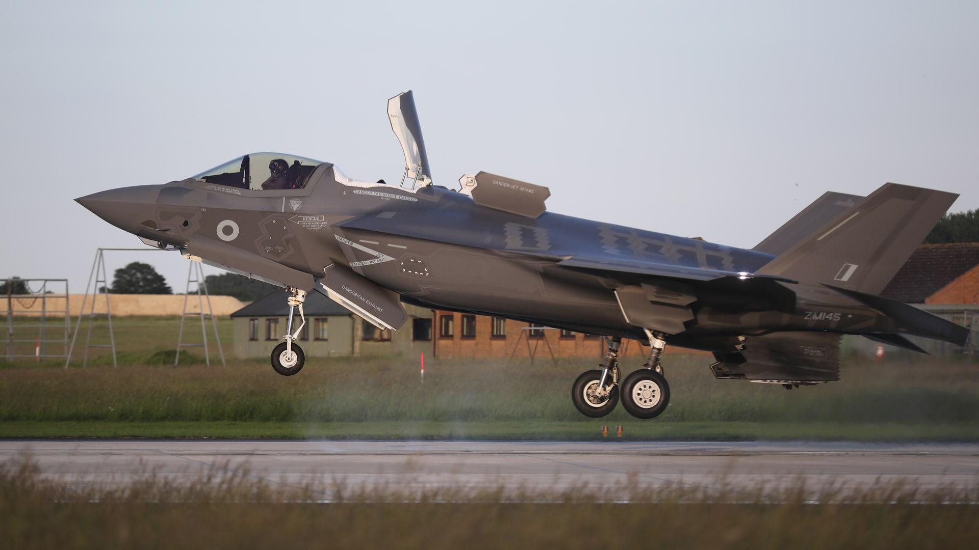 """وصلت لإسرائيل وتركيا.. تعرف على قدرات مقاتلة """"F35"""" الأمريكية"""