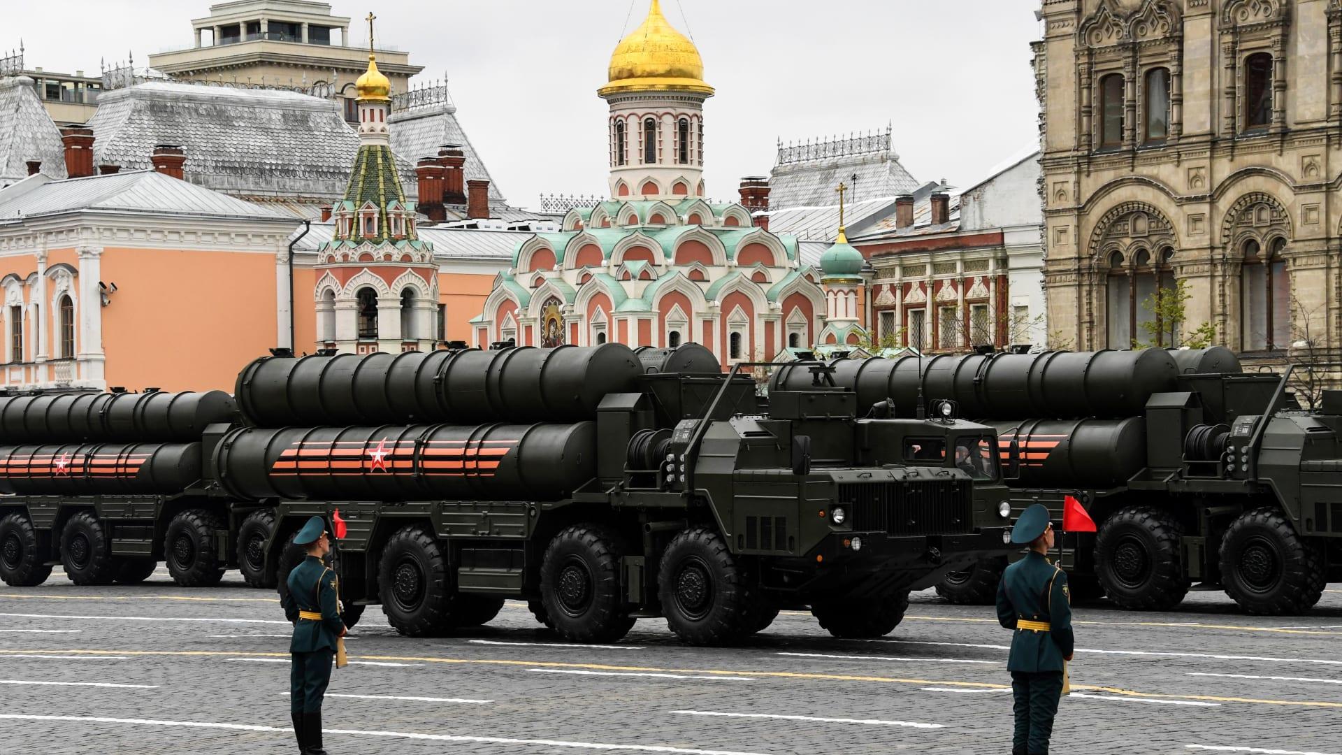السعودية تشتريها من روسيا.. ماذا تعرف عن منظومة صواريخ S-400؟