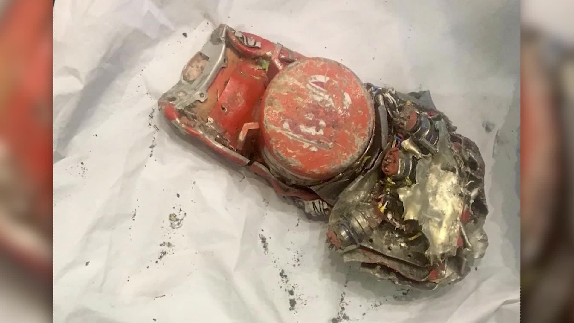 """الصندوق الأسود للطائرة الأثيوبية.. أول اعتراف بالتشابه مع حادث """"ليون أير"""""""
