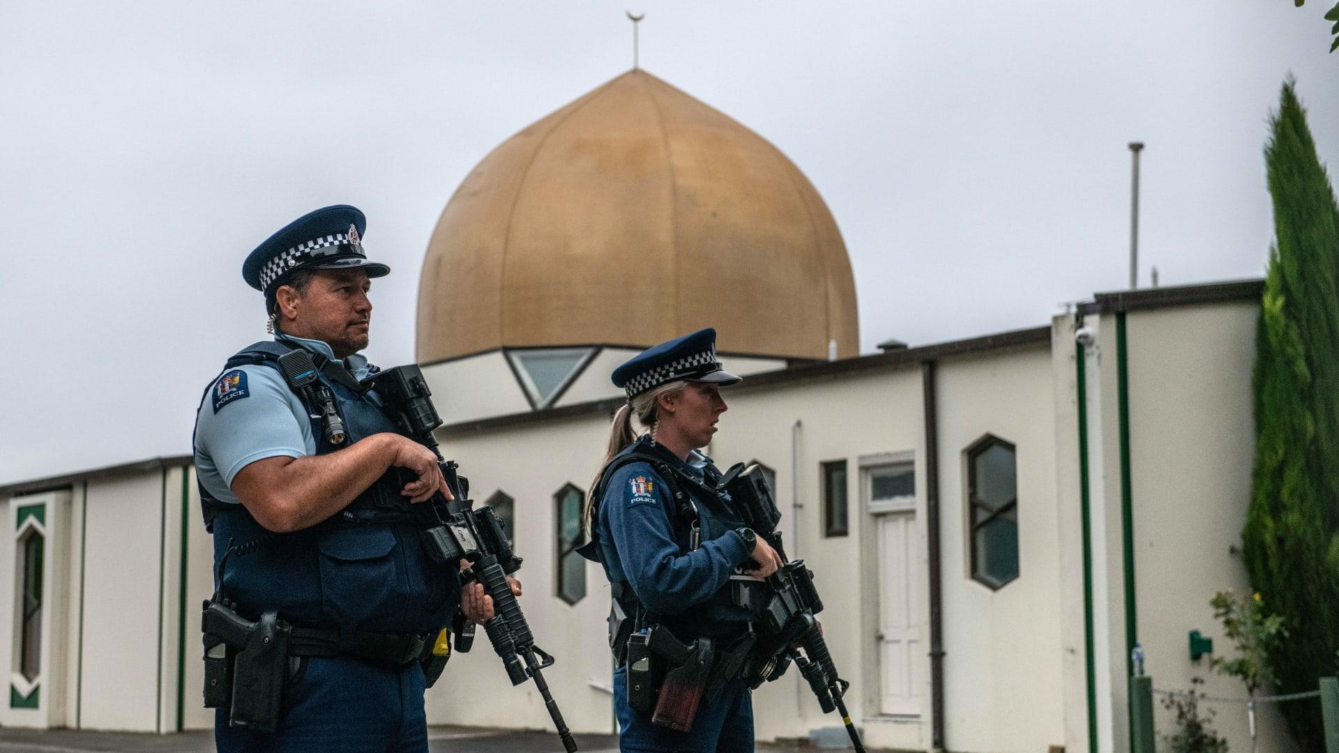 خلال مراسم التشييع.. رئيسة وزراء نيوزلندا تستشهد بحديث نبوي