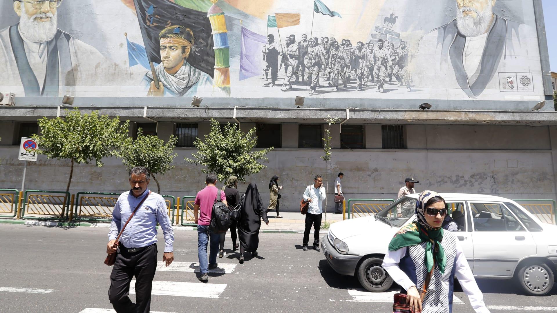 إيران تحظر إعلانات المنتجات الأجنبية.. لماذا؟