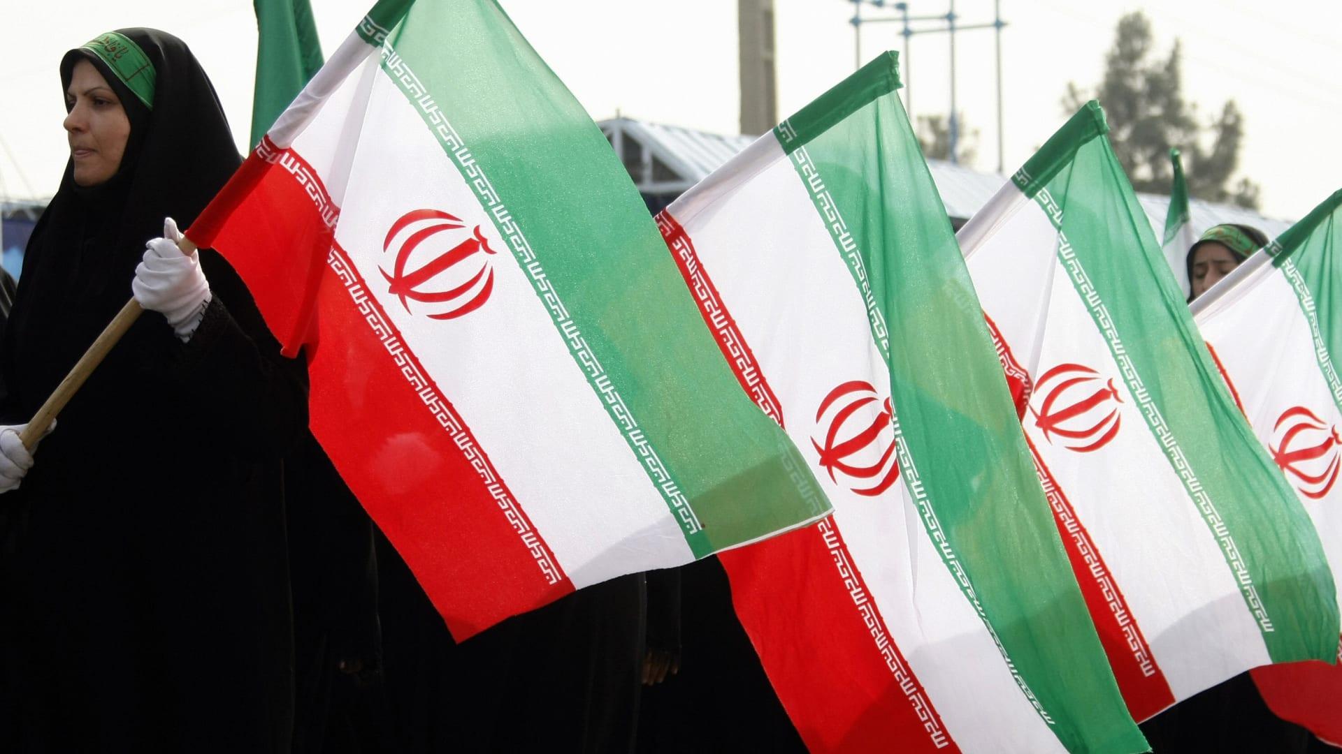 """أمريكا صنفته """"منظمة إرهابية"""".. ما هو الحرس الثوري الإيراني؟"""