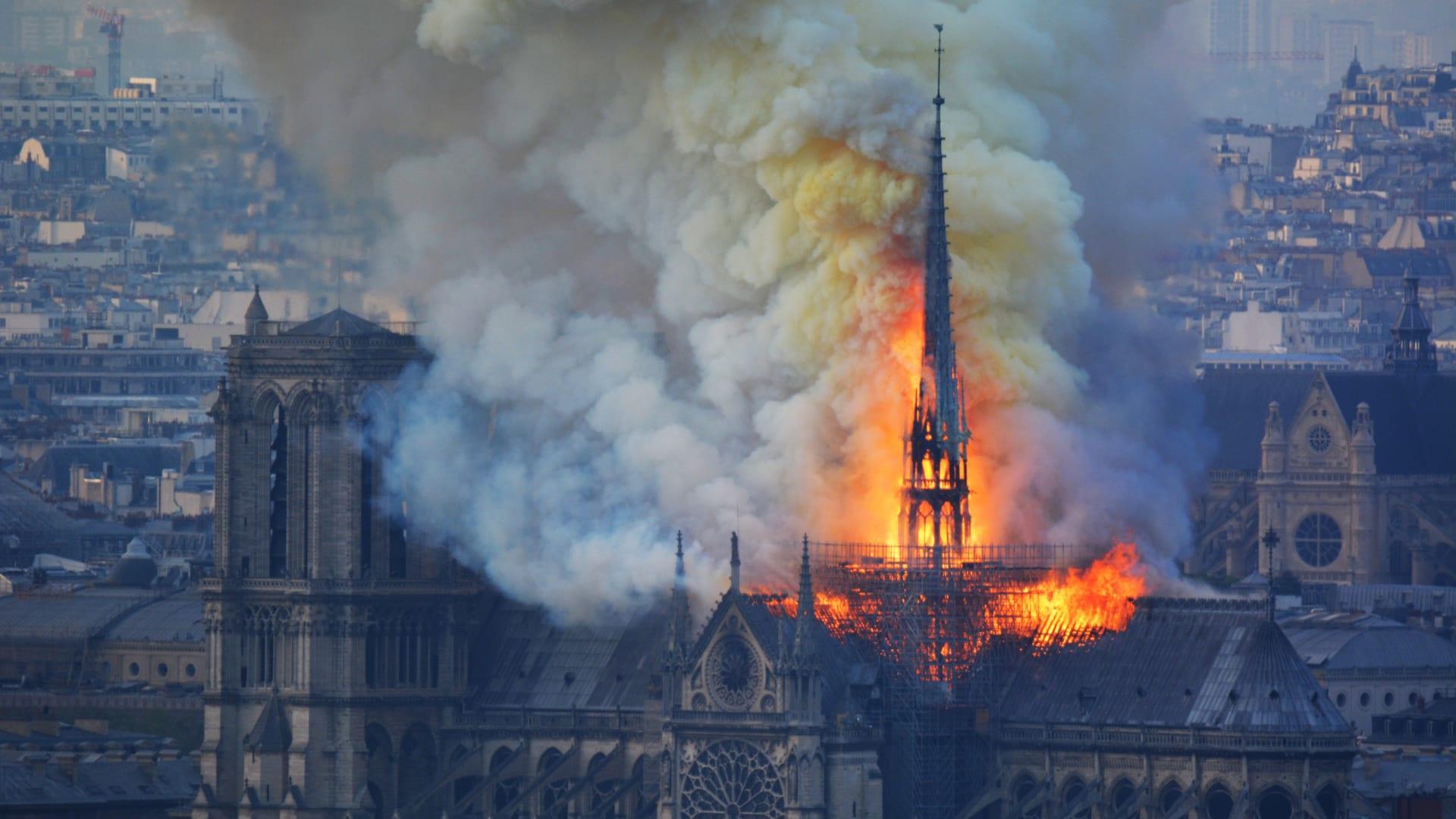 ماكرون: تجاوزنا الأسوأ.. وسنعيد بناء كاتدرائية نوتردام