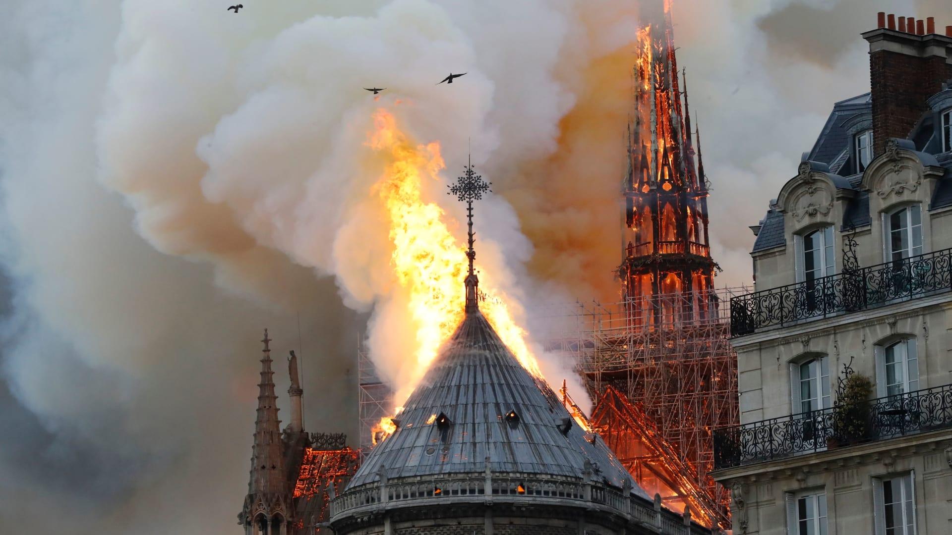 حصرياً.. شاهد الضرر من داخل كاتدرائية نوتردام بعد الحريق