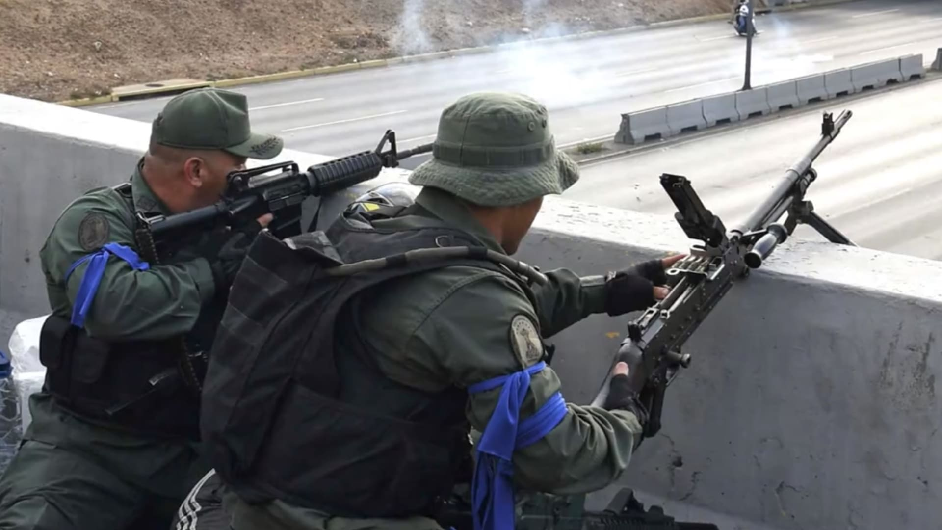 اشتباكات عنيفة مع الجيش في شوارع كاراكاس