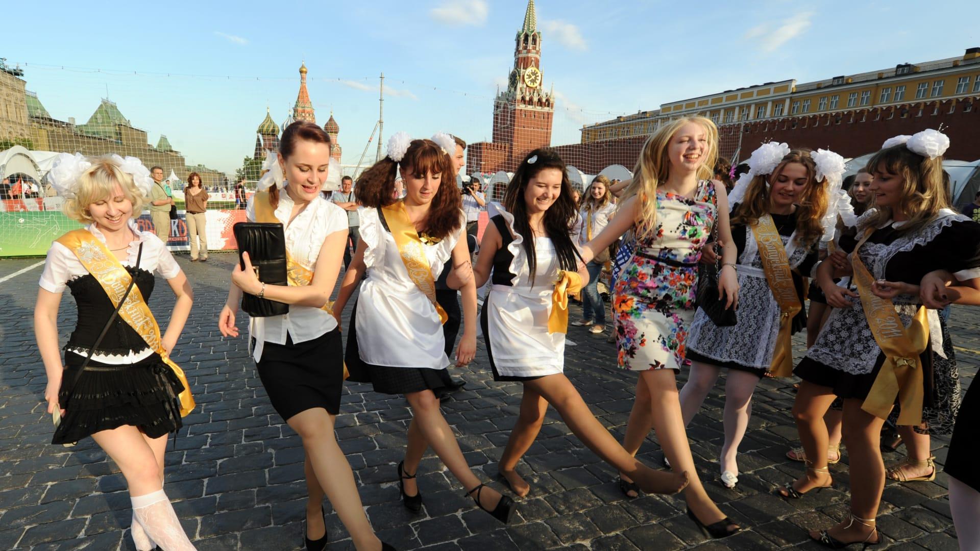 """شاهد.. تساقط ثلوج """"برتقالية"""" في روسيا!"""