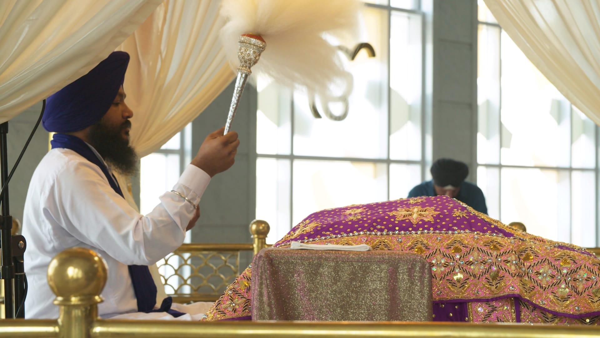 بدبي.. ما سر تحول معبد سيخي إلى مكان يصلي فيه المسلمون؟