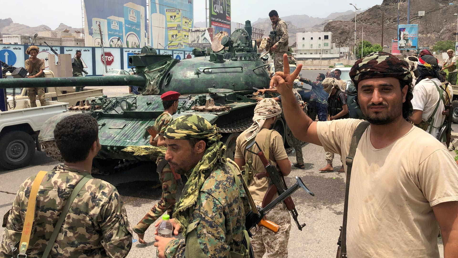 الإمارات تسحب جزءا من قواتها في اليمن.. ما الأسباب المحتملة؟