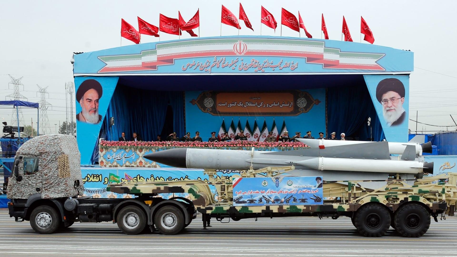 الجبير لـCNN: إطلاق إيران لصواريخ من أرضها يعتبر عملا حربيا