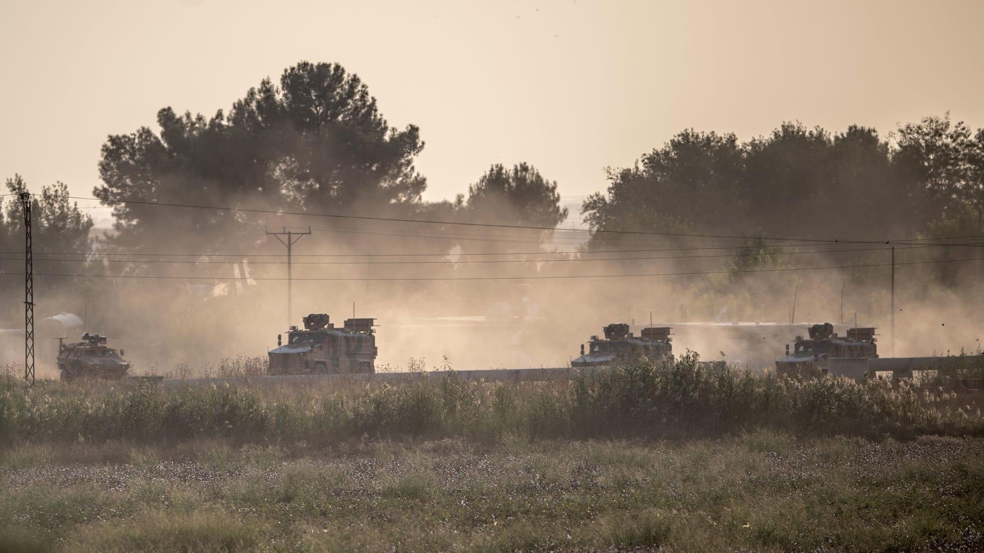 حرائق وأعمدة دخان تتصاعد من مواقع كردية قصفها الطيران التركي