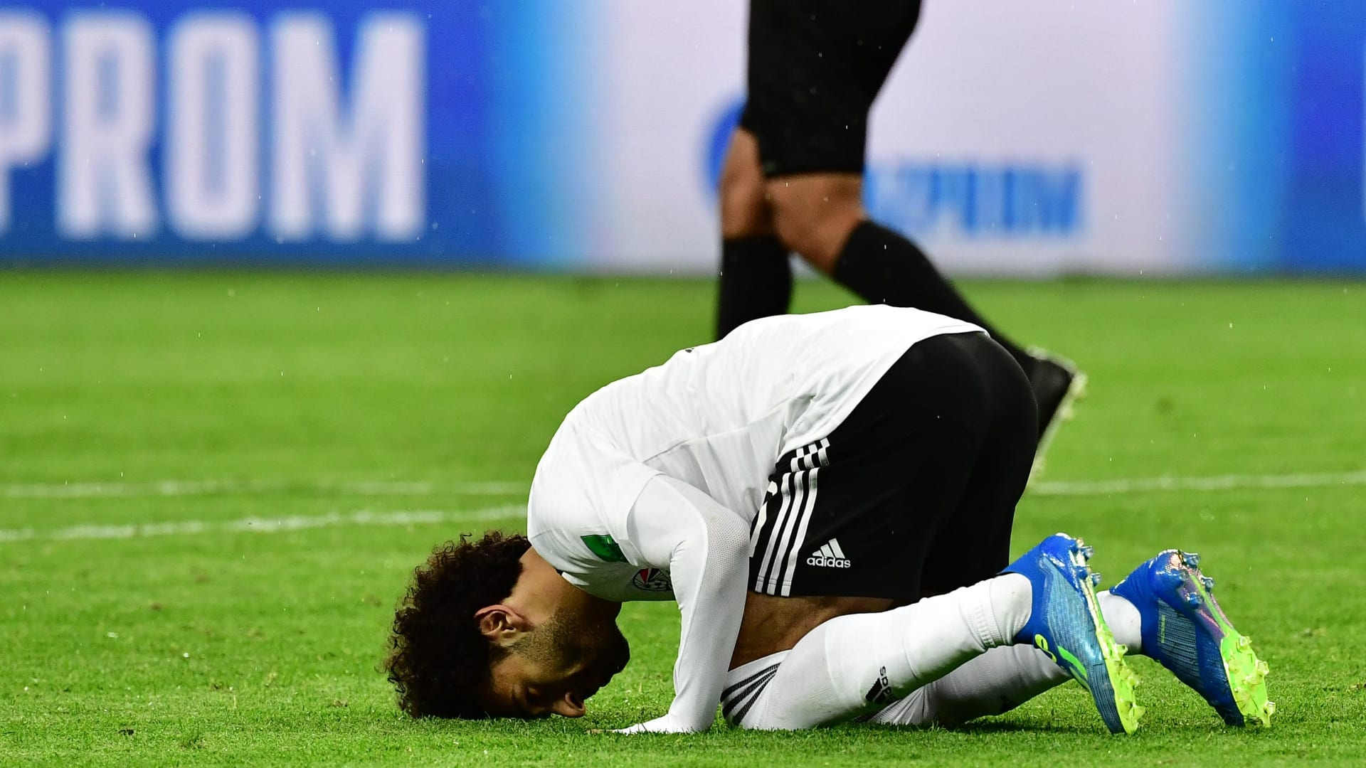 هل جاءت إصابة محمد صلاح في الوقت المناسب؟