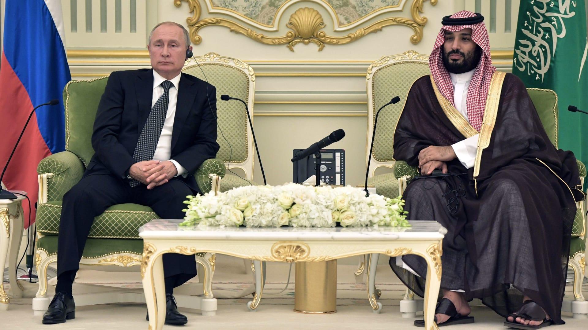 بوتين يلتقي العاهل السعودي وولي العهد في الرياض