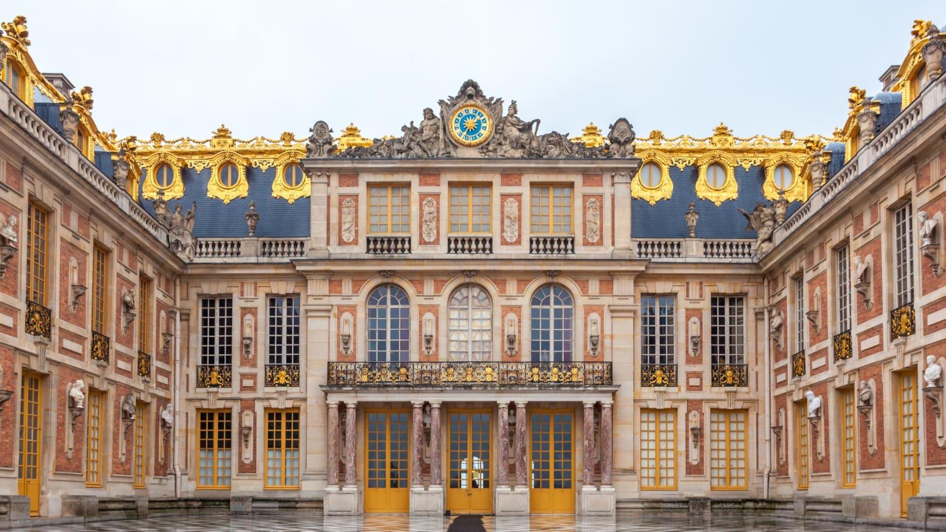 """داخل قلعة """"الأميرة النائمة"""" لجوزفين بيكر في فرنسا"""