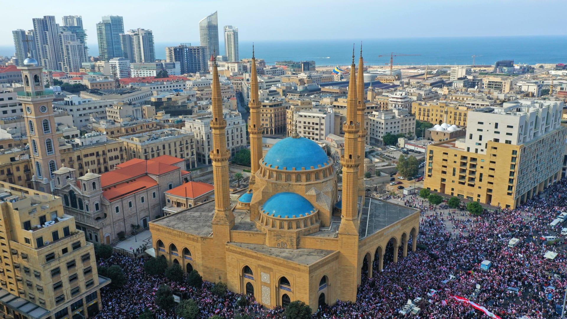 بعد استقالة 4 وزراء.. التظاهرات في لبنان مستمرة