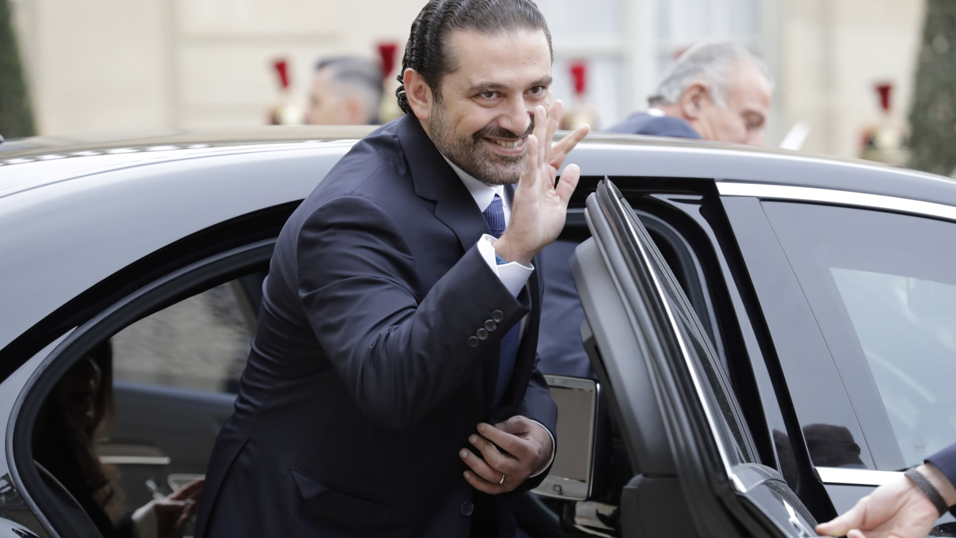وزير الدفاع اللبناني لـCNN: استقالة الحريري لم تكن متوقعة
