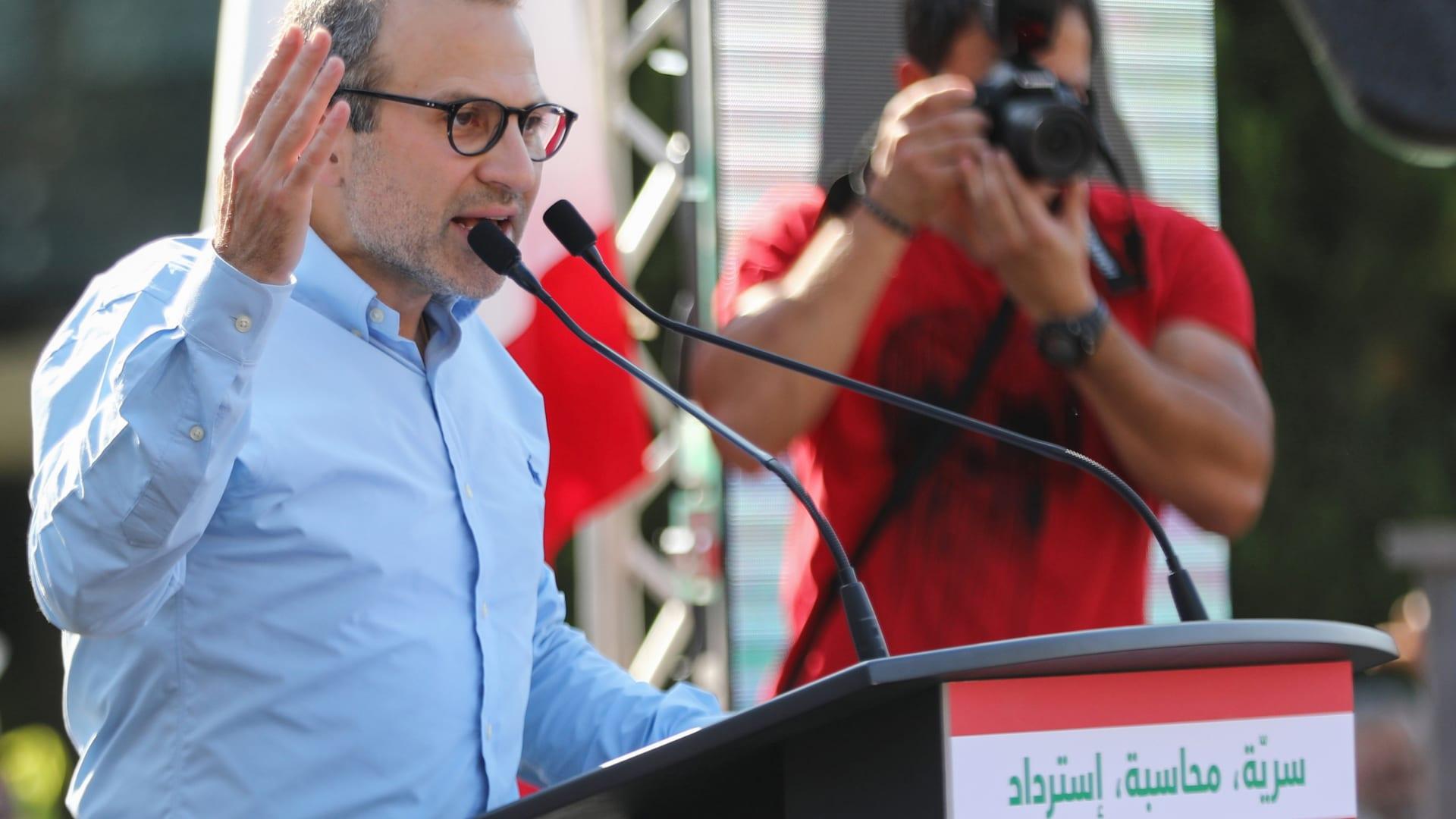وزير لبناني سابق يعدد لـCNN نقاطا لإعادة الثقة بالاقتصاد
