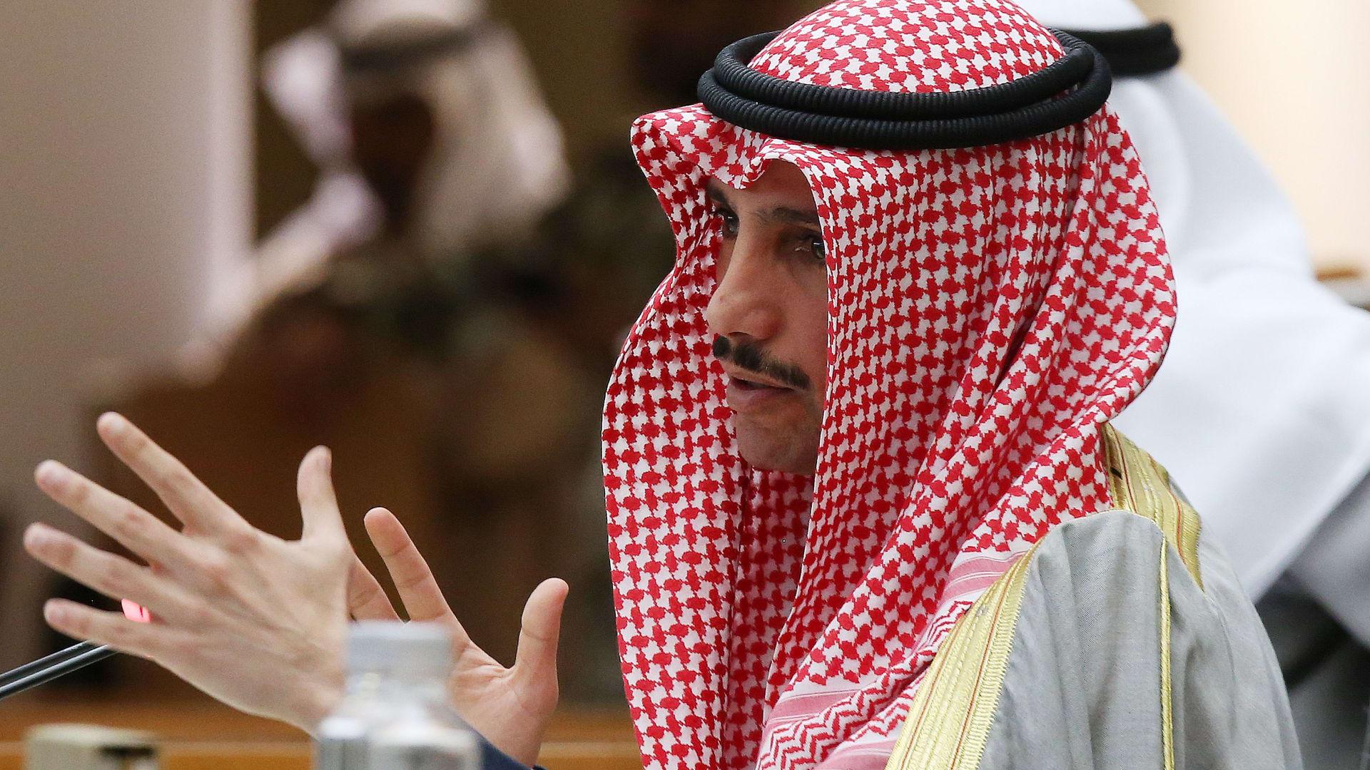 شاهد.. أمير الكويت في منزله بأمريكا بعد مغادرة المستشفى