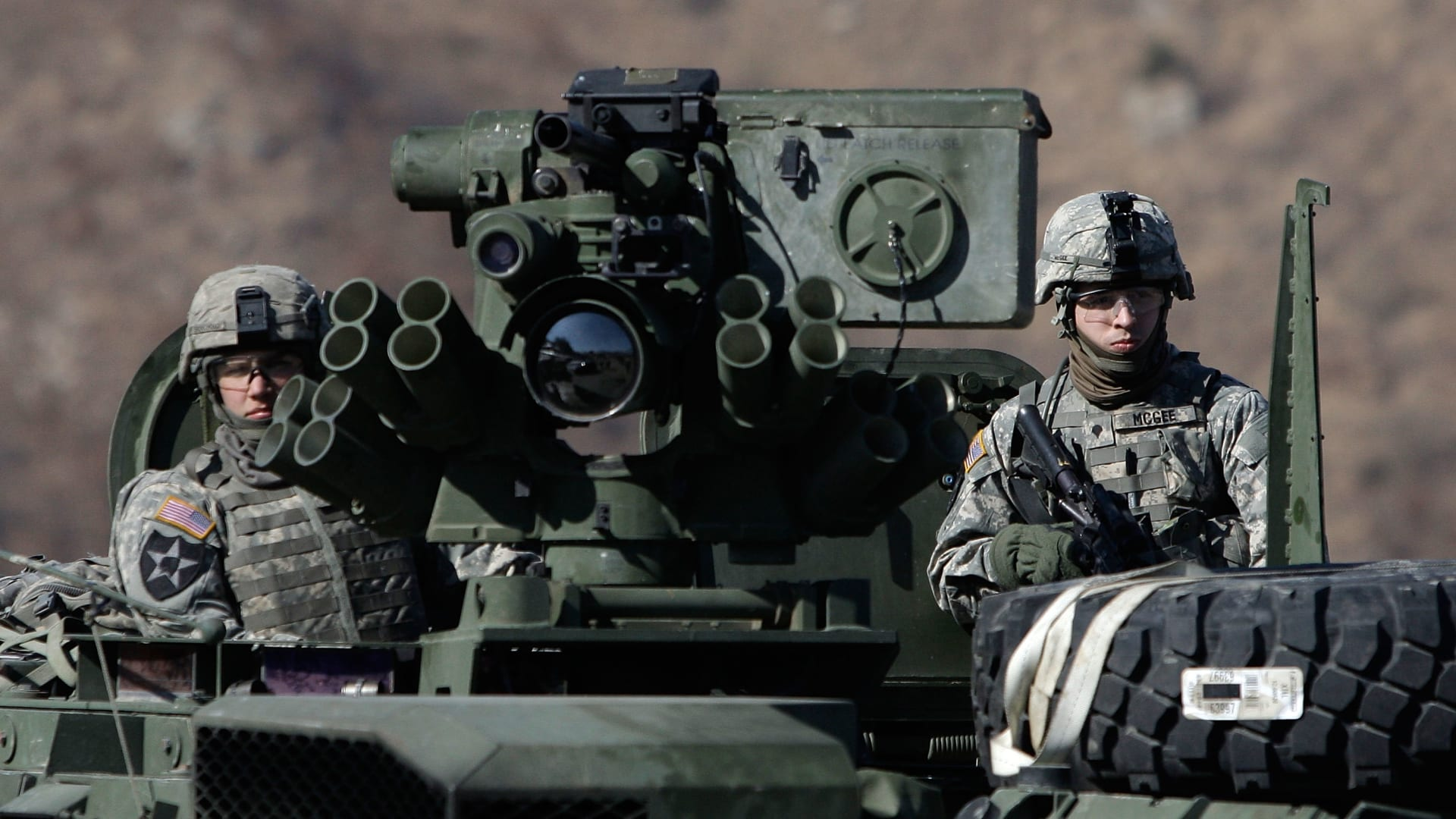 """كوريا الشمالية """"تستفز"""" أمريكا بصاروخ من غواصة يصعب اعتراضه"""