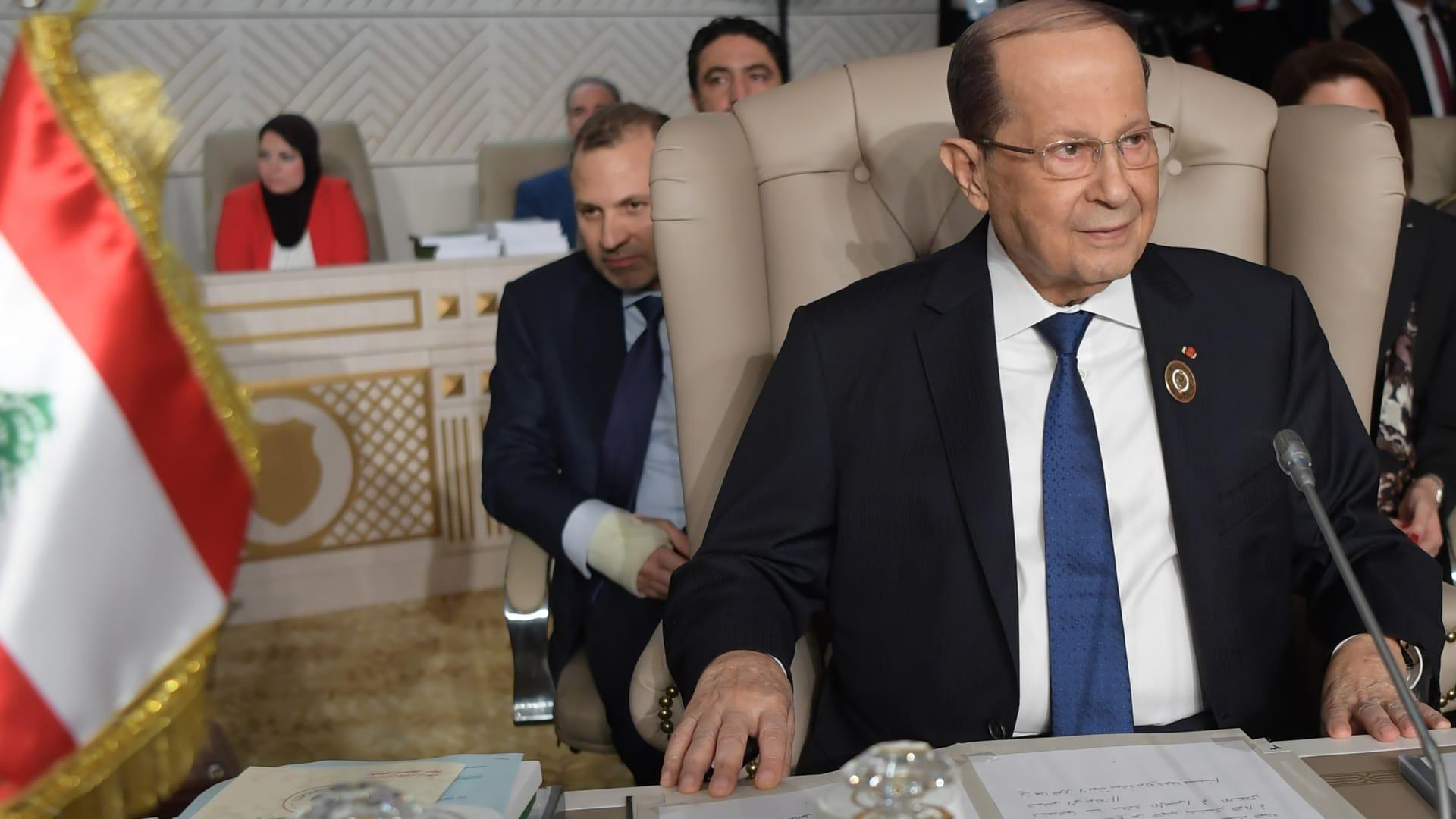 إطلاق نار بإشكال بين موكب سياسي لبناني ومعتصمين قرب البرلمان
