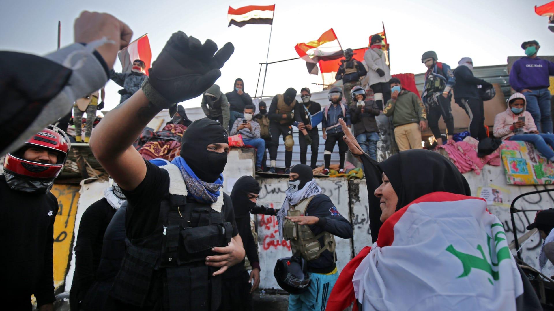 """""""التوك توك"""".. كيف أصبح رمزًا للاحتجاجات في العراق؟"""