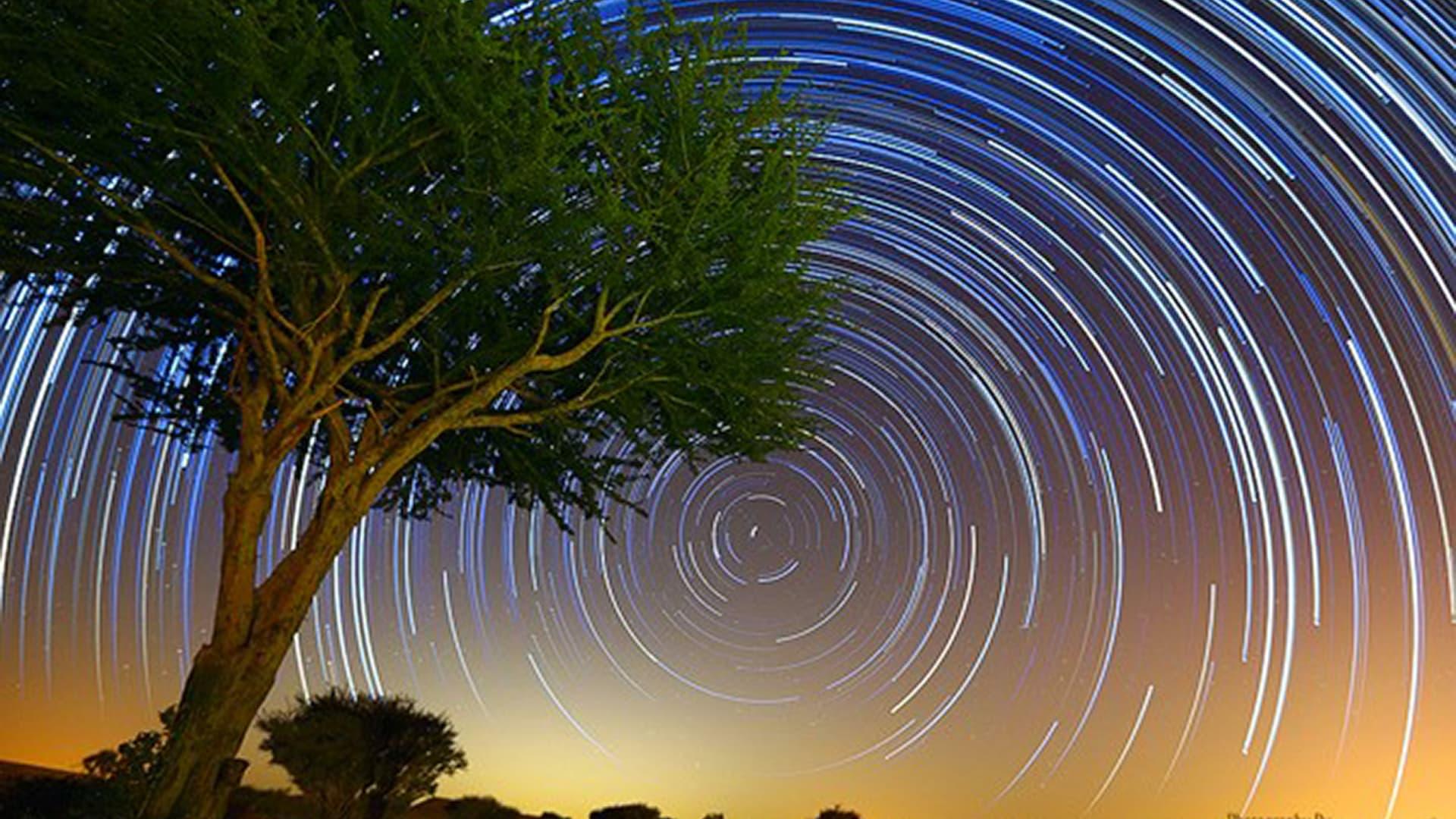 شاهد..نجوم وشهب تضيء سماء الصين