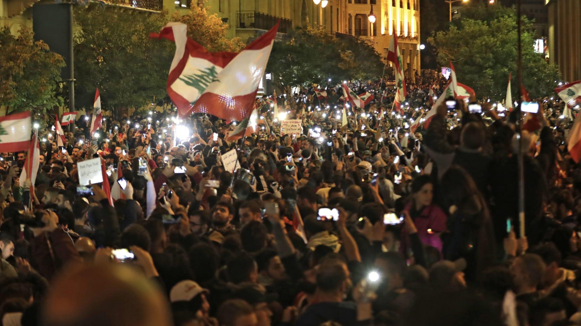 """هل يتحول """"الشتاء الساخط"""" في لبنان إلى """"عاصفة اقتصادية""""؟"""