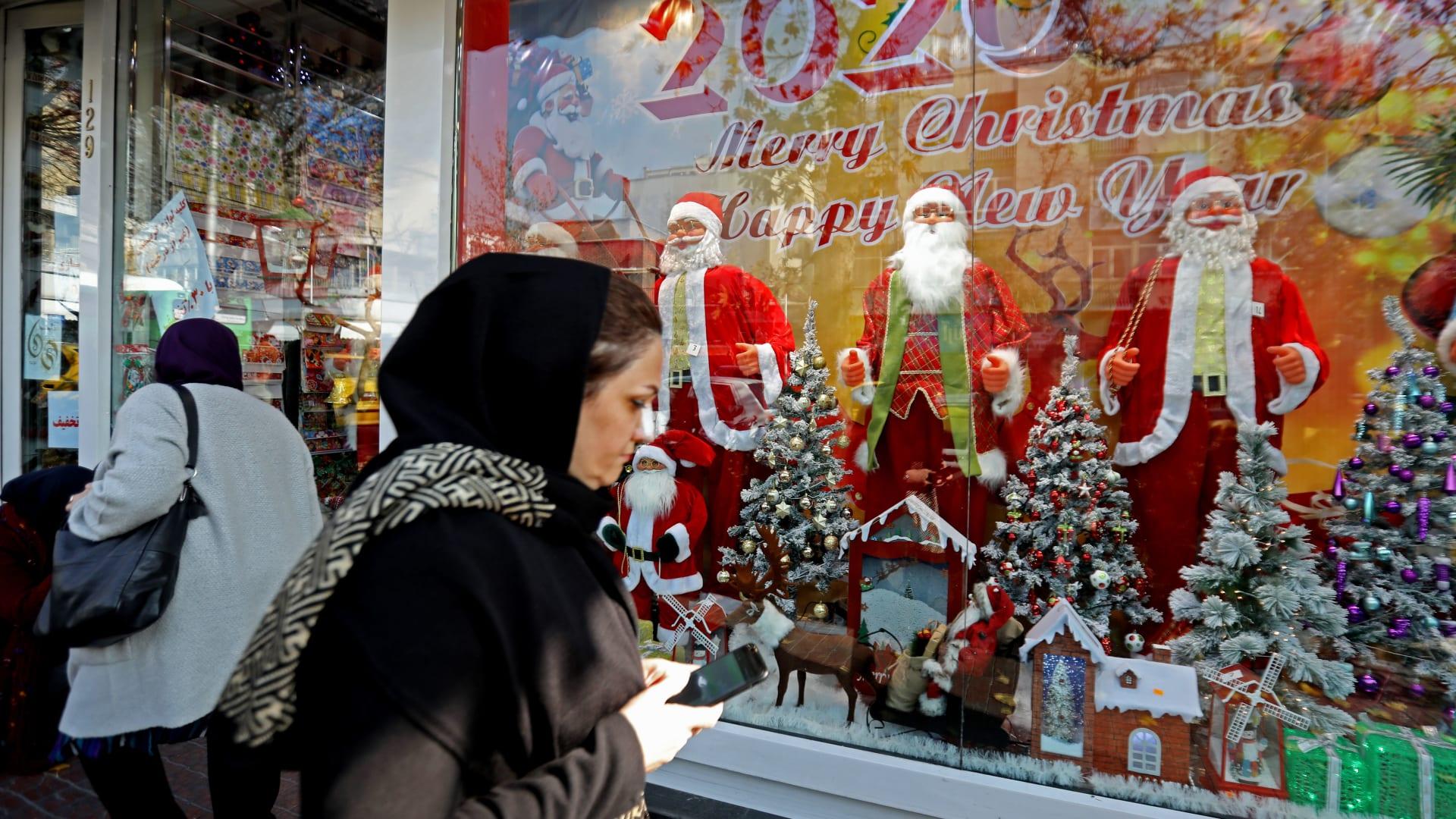 """أجواء احتفال """"هادئة"""" خلال إحياء مسيحيي العراق عيد الميلاد"""