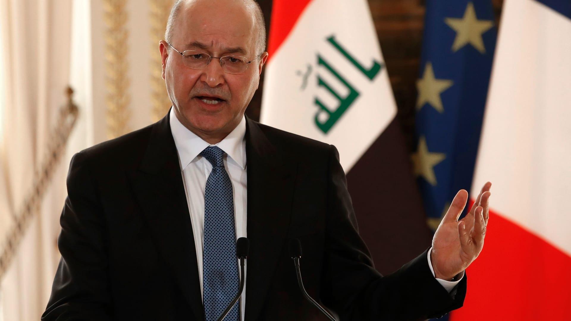 مظاهرات العراق.. حرق إطارات وإغلاق طرق في البصرة