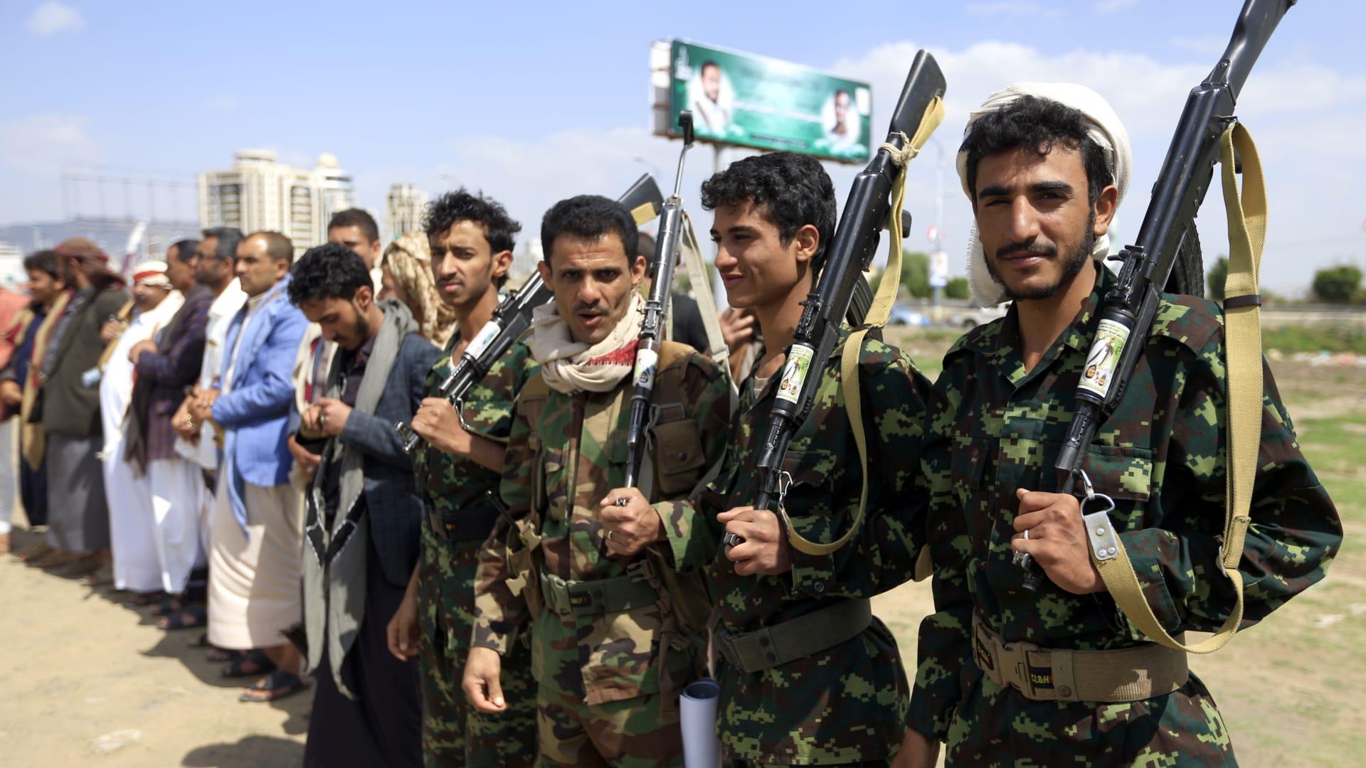"""فيديو إسقاط الحوثيين لـ""""درون"""" أمريكية في اليمن"""