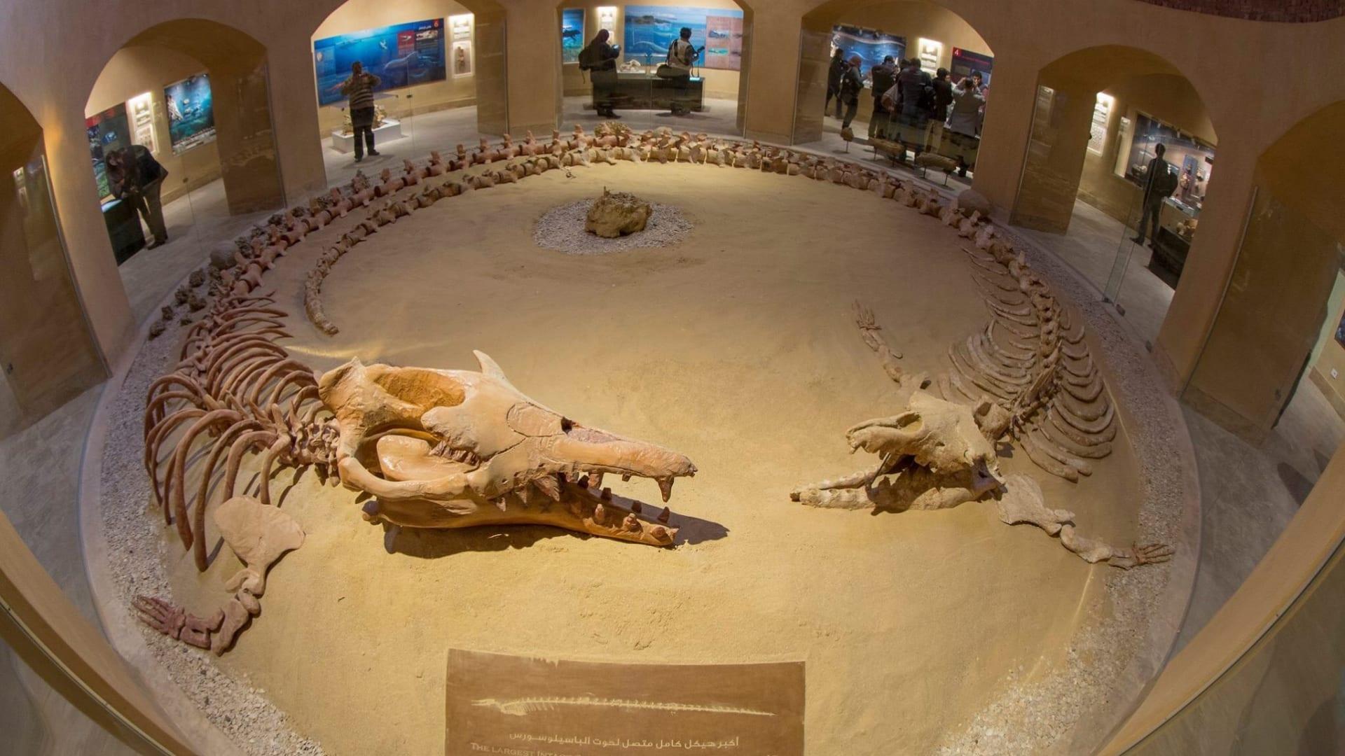 جولة في خان الخليلي.. أحد أقدم أسواق مصر
