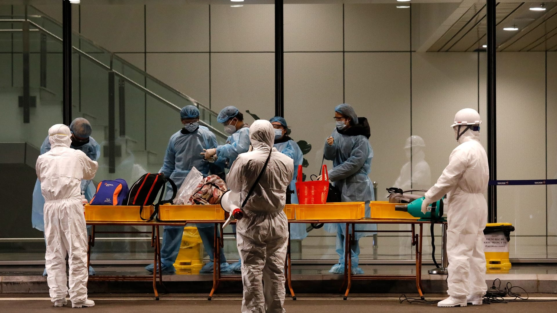 شخصان يتعافيان من فيروس كورونا يتحدثان لـCNN عن تجربتهما