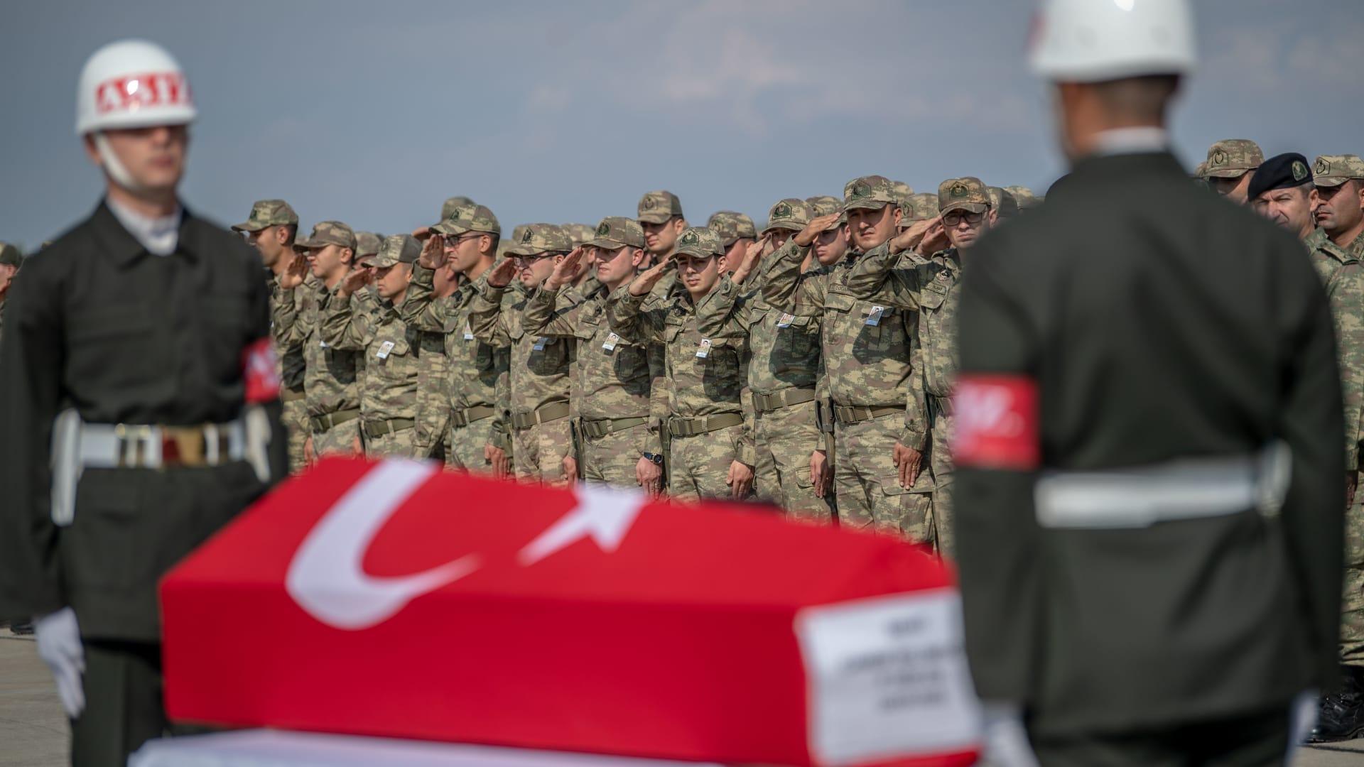 قوات تركية تستهدف مواقع للجيش السوري في إدلب
