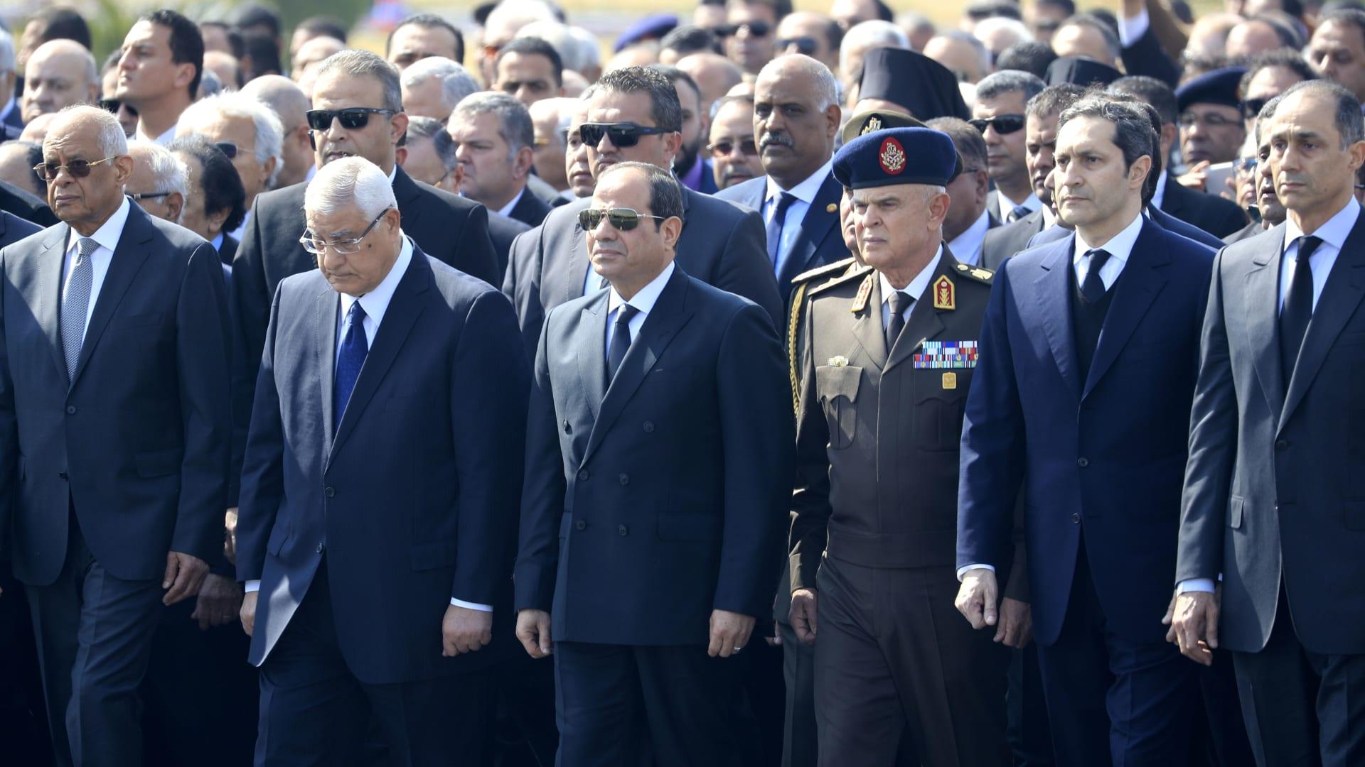 إيهود باراك مشيداً بحسني مبارك لـCNN: كان قائداً مدهشاً ومتوازناً