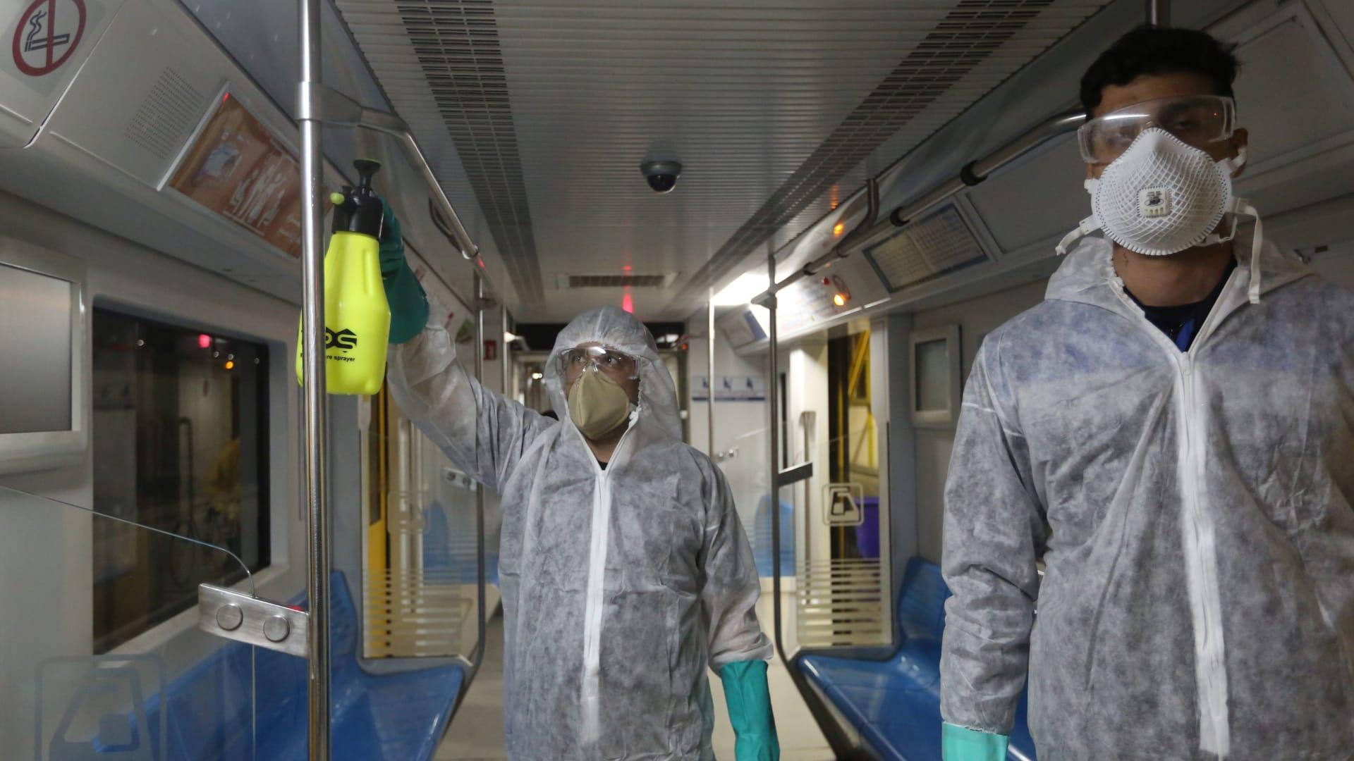 إيقاف صلاة الجمعة لأول مرة في إيران بسبب فيروس كورونا