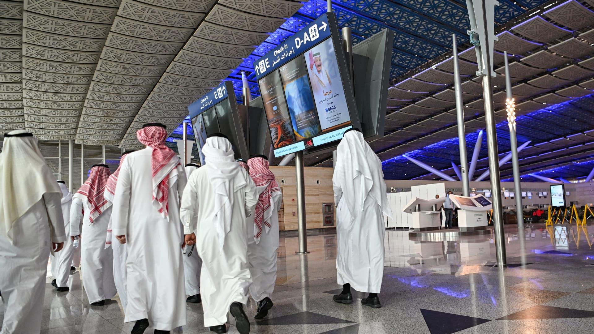 بسبب فيروس كورونا.. صناعة السفر تواجه أكبر أزمة منذ هجمات 11 سبتمبر