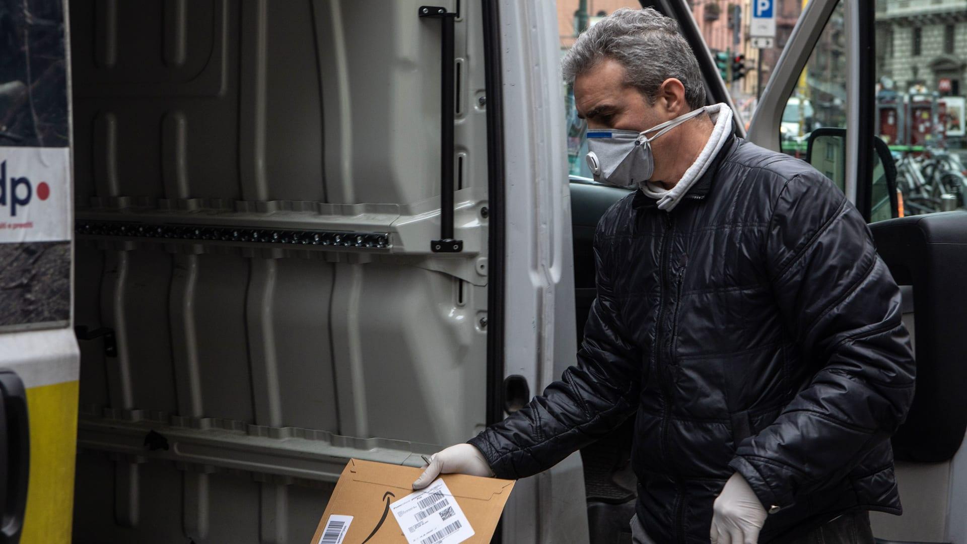 كيف أثر فيروس كورونا على سائقي سيارات الأجرة؟