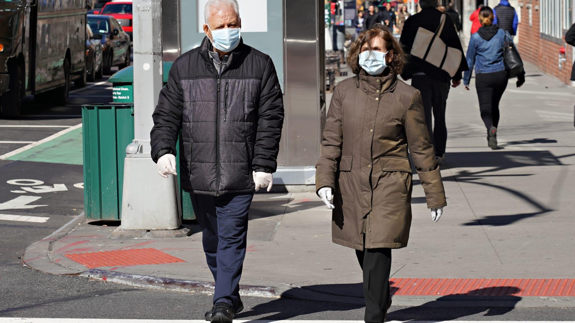 اقتصاد الولايات المتحدة يخسر 800 مليار دولار بسبب فيروس كورونا