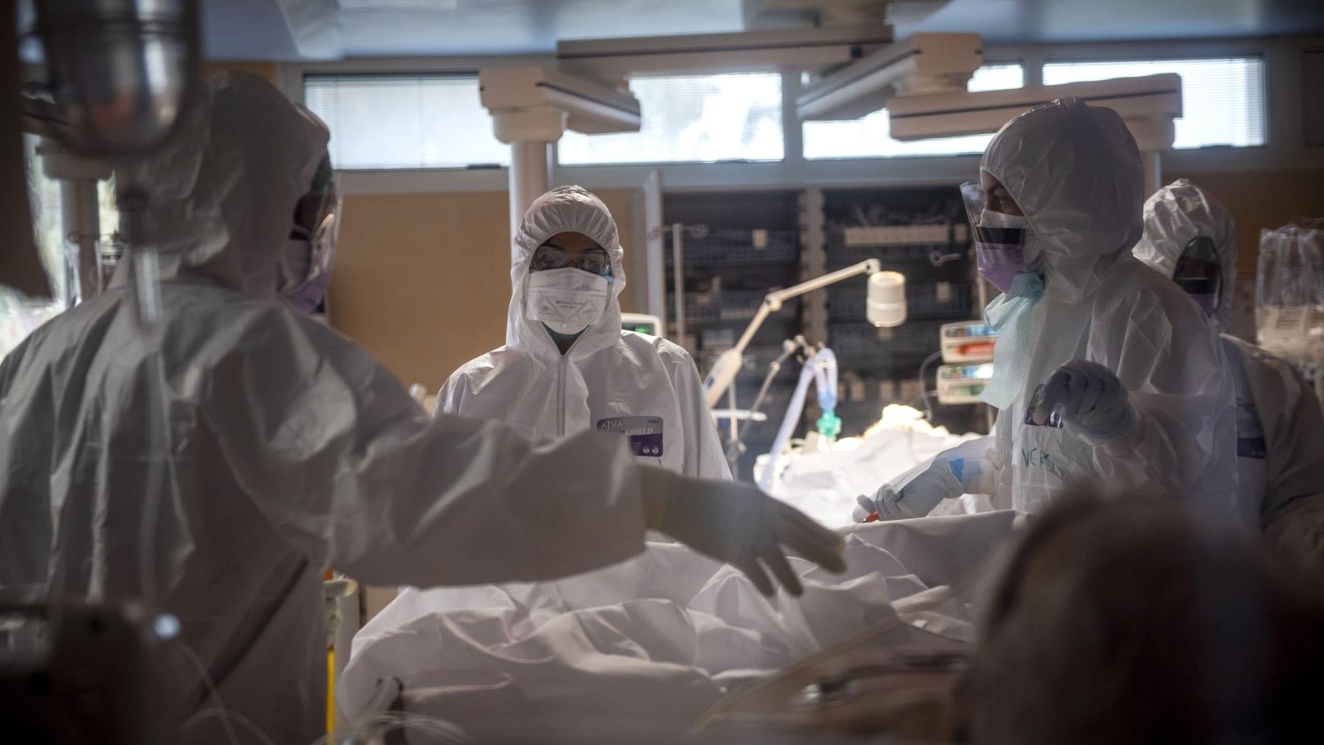 أمريكي يوثق تجربته في الحجر الصحي في لومباردي بإيطاليا